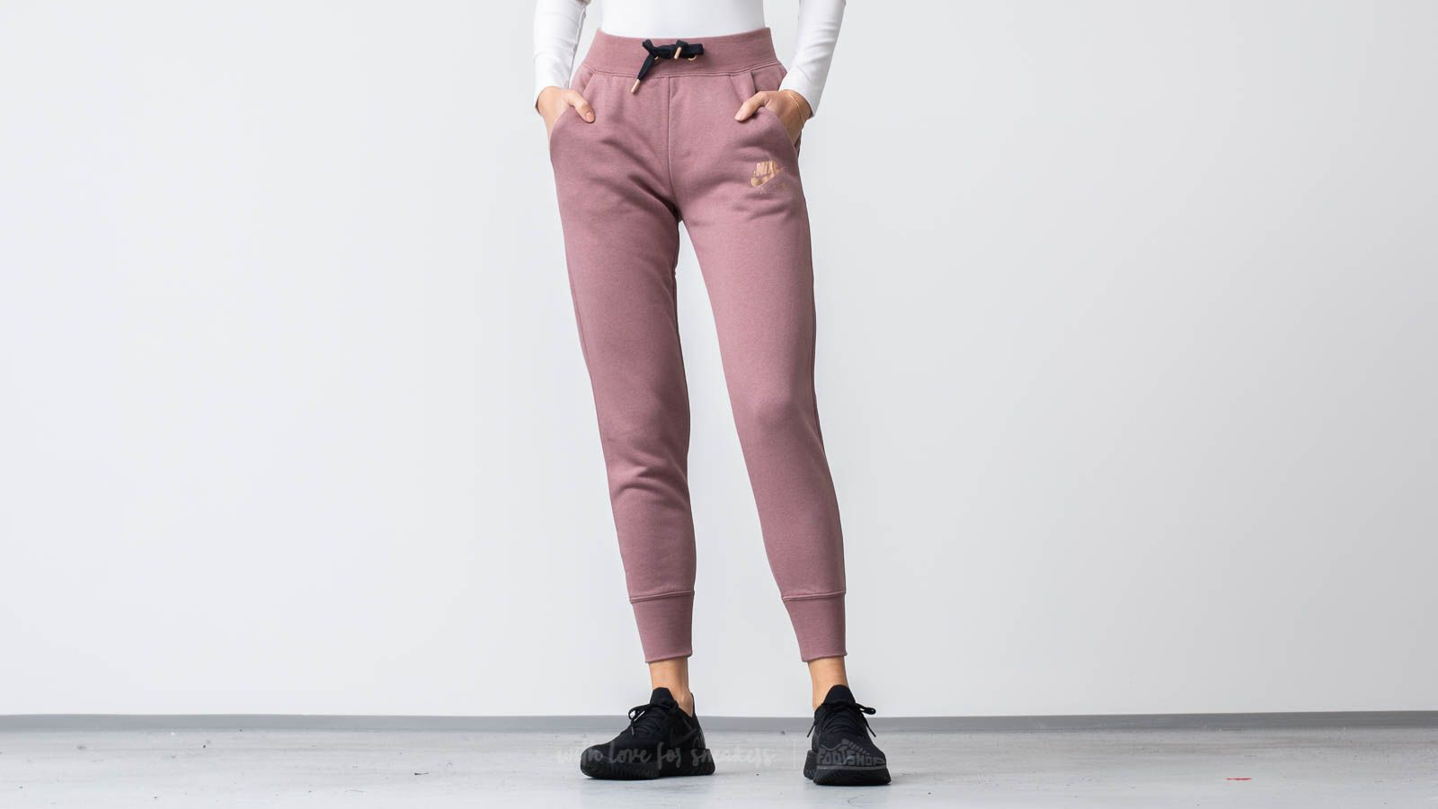 3026f0eb8 Nike Sportswear Air Fleece Pants Smokey Mauve/ Black | Footshop