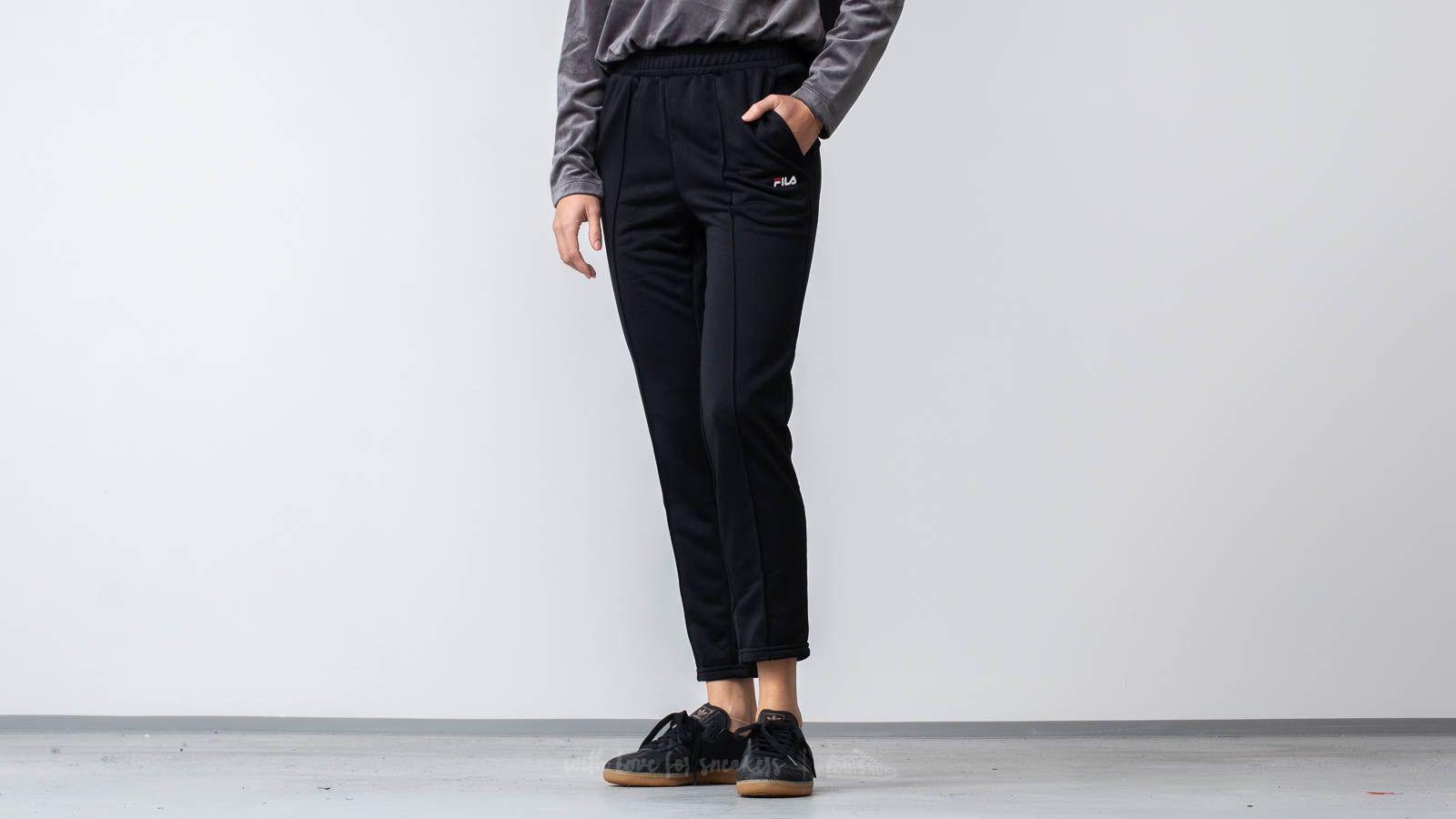 Fila Brigid Cigarette Track Pants Black za skvělou cenu 1 190 Kč koupíte na Footshop.cz
