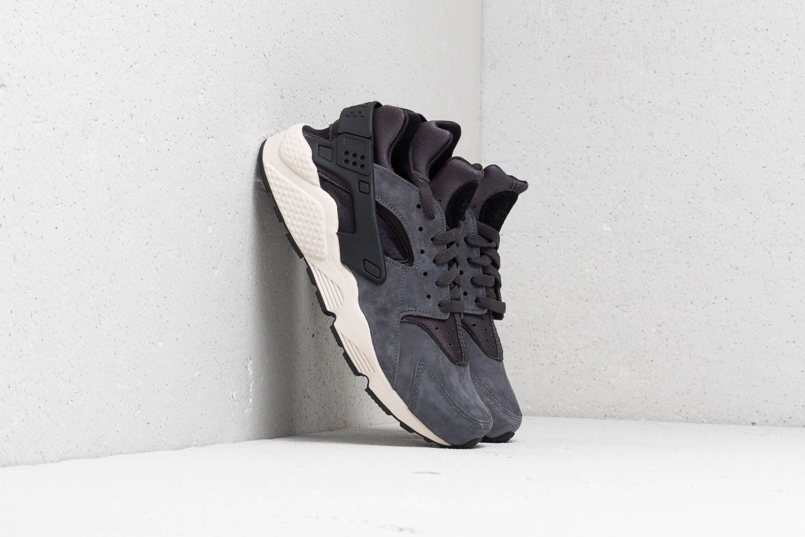 2403a182e0a0 Nike Air Huarache Run Premium Anthracite  Black-Light Bone at a great price  125