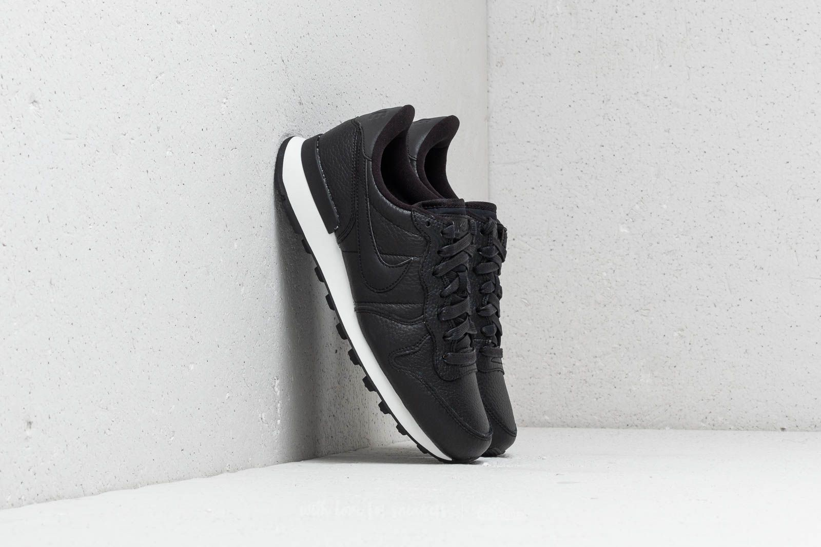 buy popular b023c 4cfd6 Nike W Internationalist Premium Black Black-Summit White at a great price  £86