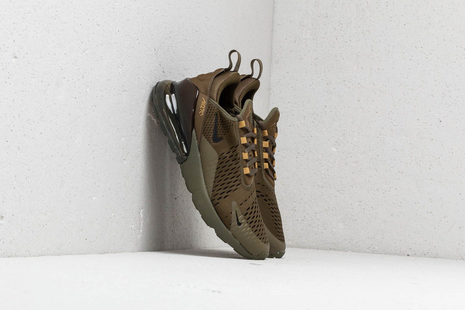 online store f0996 c9d8e Nike Air Max 270. Olive Canvas  Black