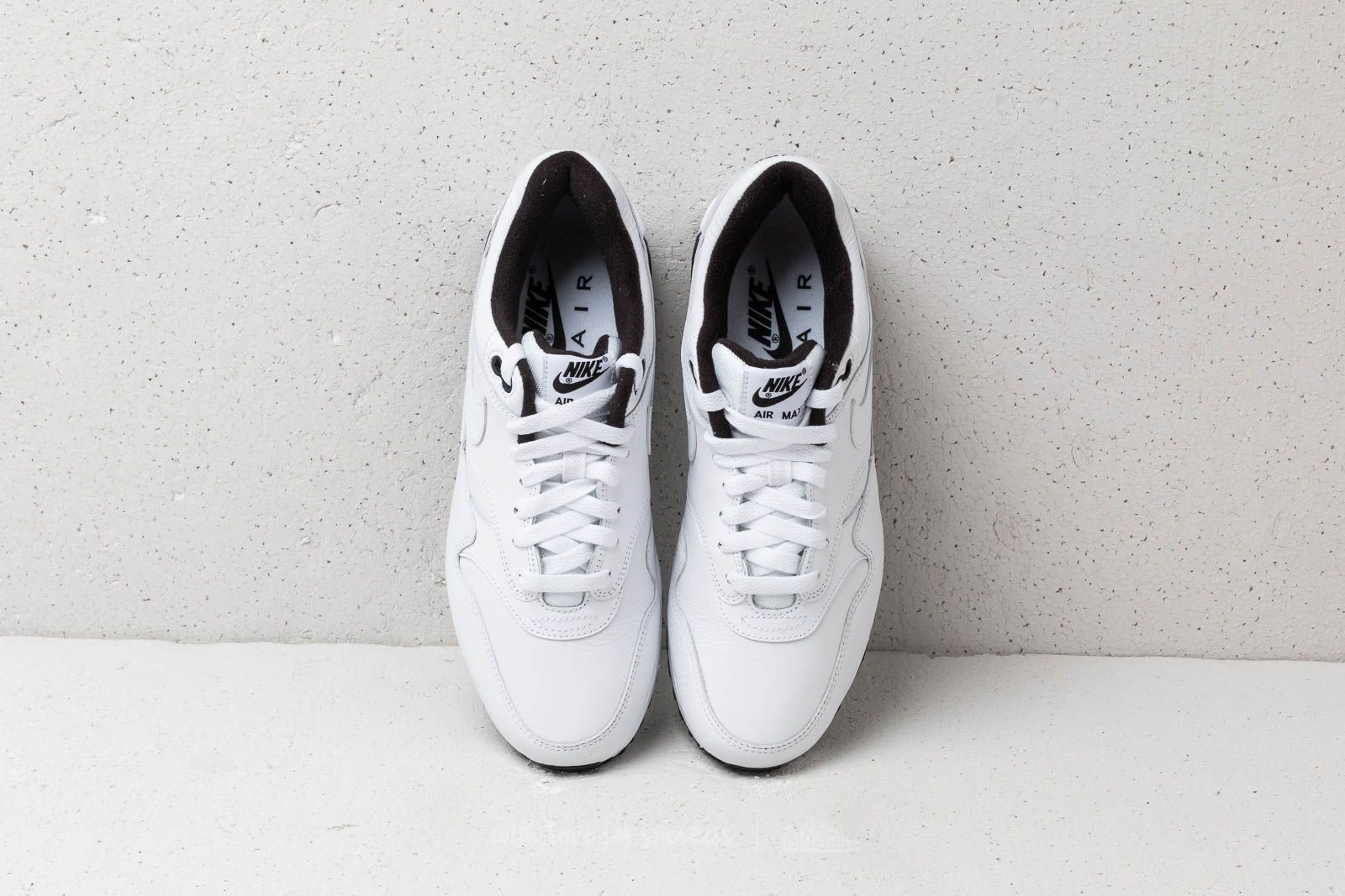 Buty Nike Air Max 901 Wmn (whiteuniversity red neutral grey black)