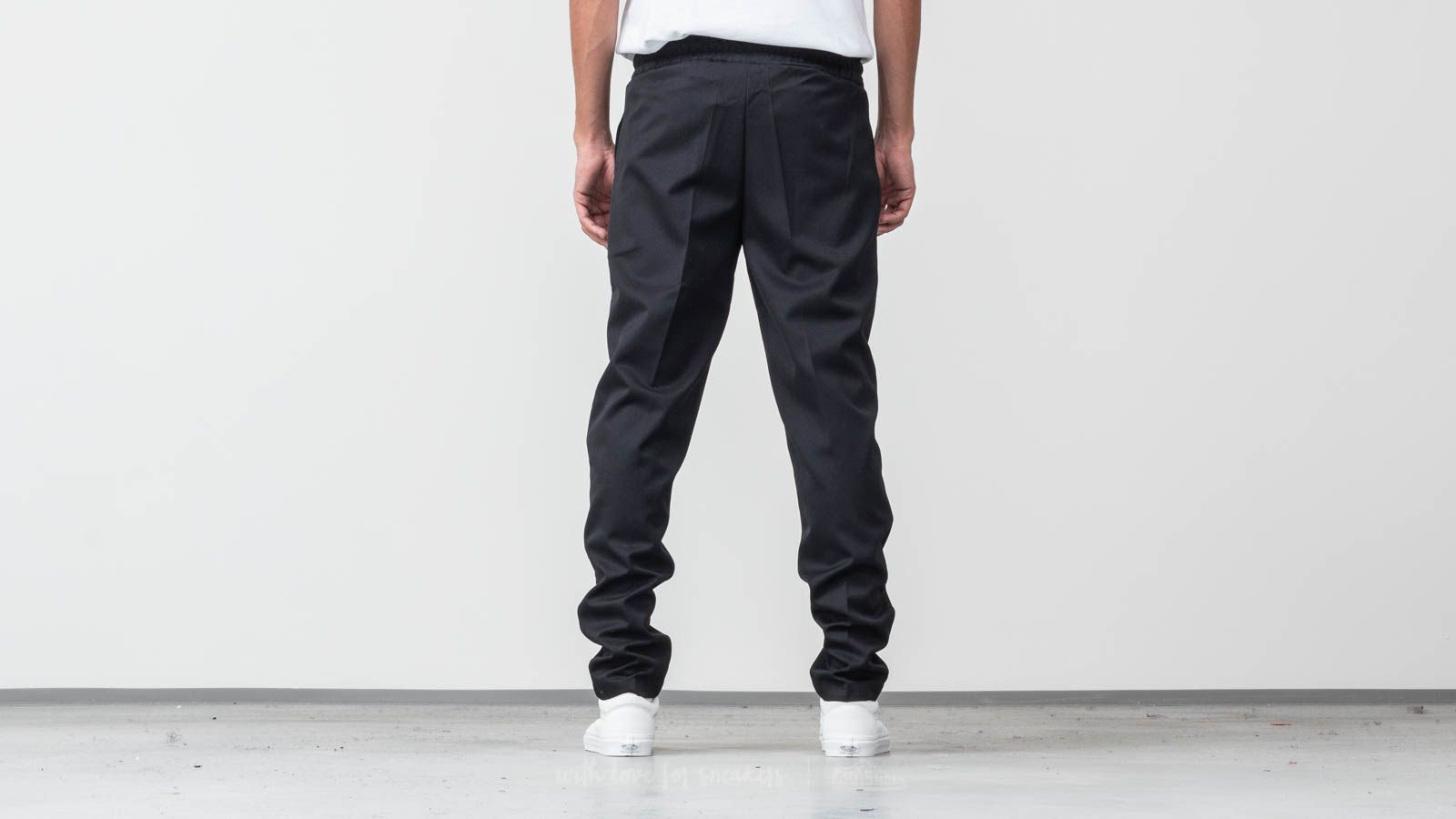 8e84f5399e484f AXEL ARIGATO Kuro Trousers Black at a great price £86 buy at Footshop