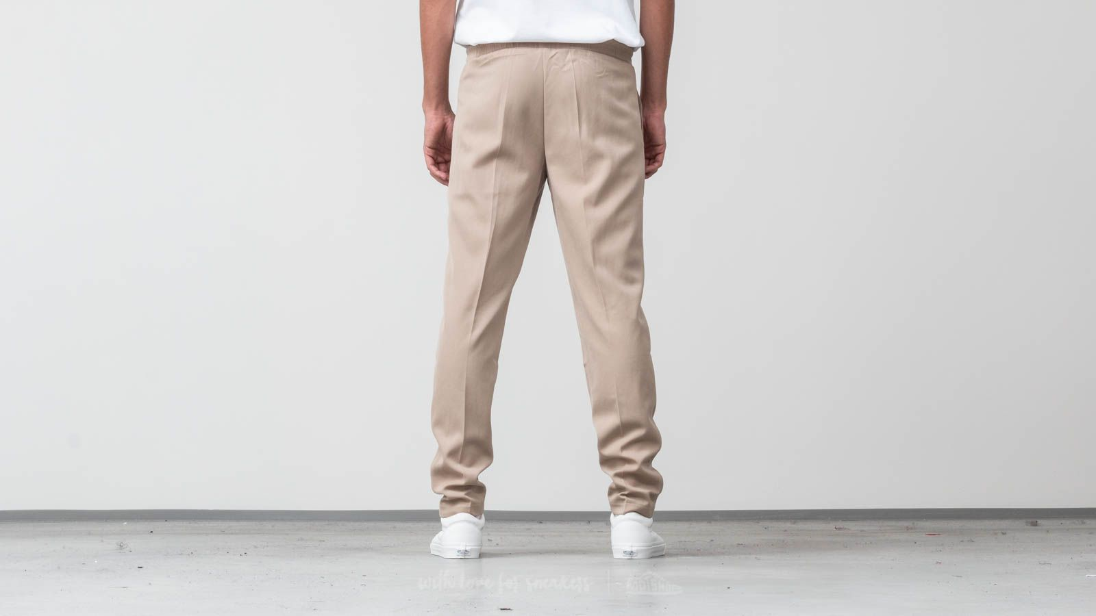 1834b09afeceea AXEL ARIGATO Kuro Trousers Beige at a great price 103 € buy at Footshop