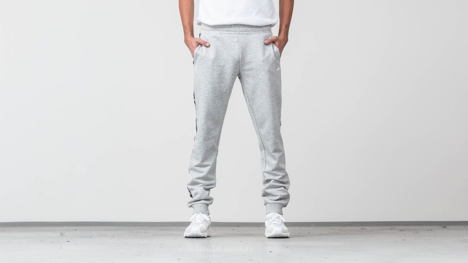 FILA Men Tadeo Tape Sweat Pants