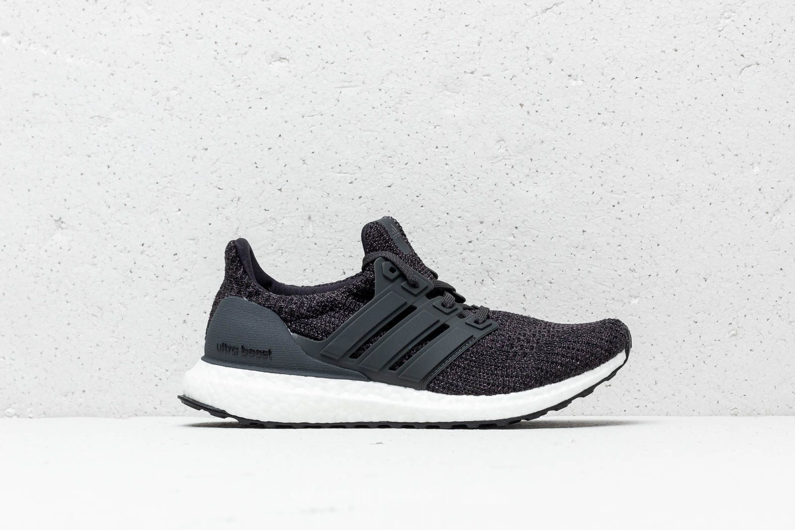 brand new 415cb 64151 adidas UltraBOOST Carbon Carbon Ftw White at a great price 180 € buy at