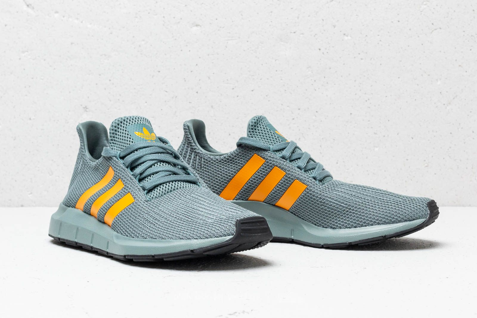 Adidas Swift Run Core Raw Grün  Reagol  Core Run schwarz   Footshop 902b55