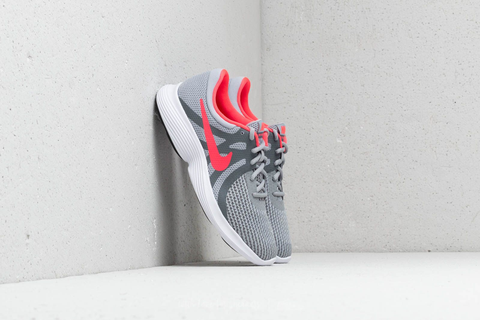 fe6bc21c8278 Nike Revolution 4 (GS) Wolf Grey  Racer Pink-Cool Grey at a