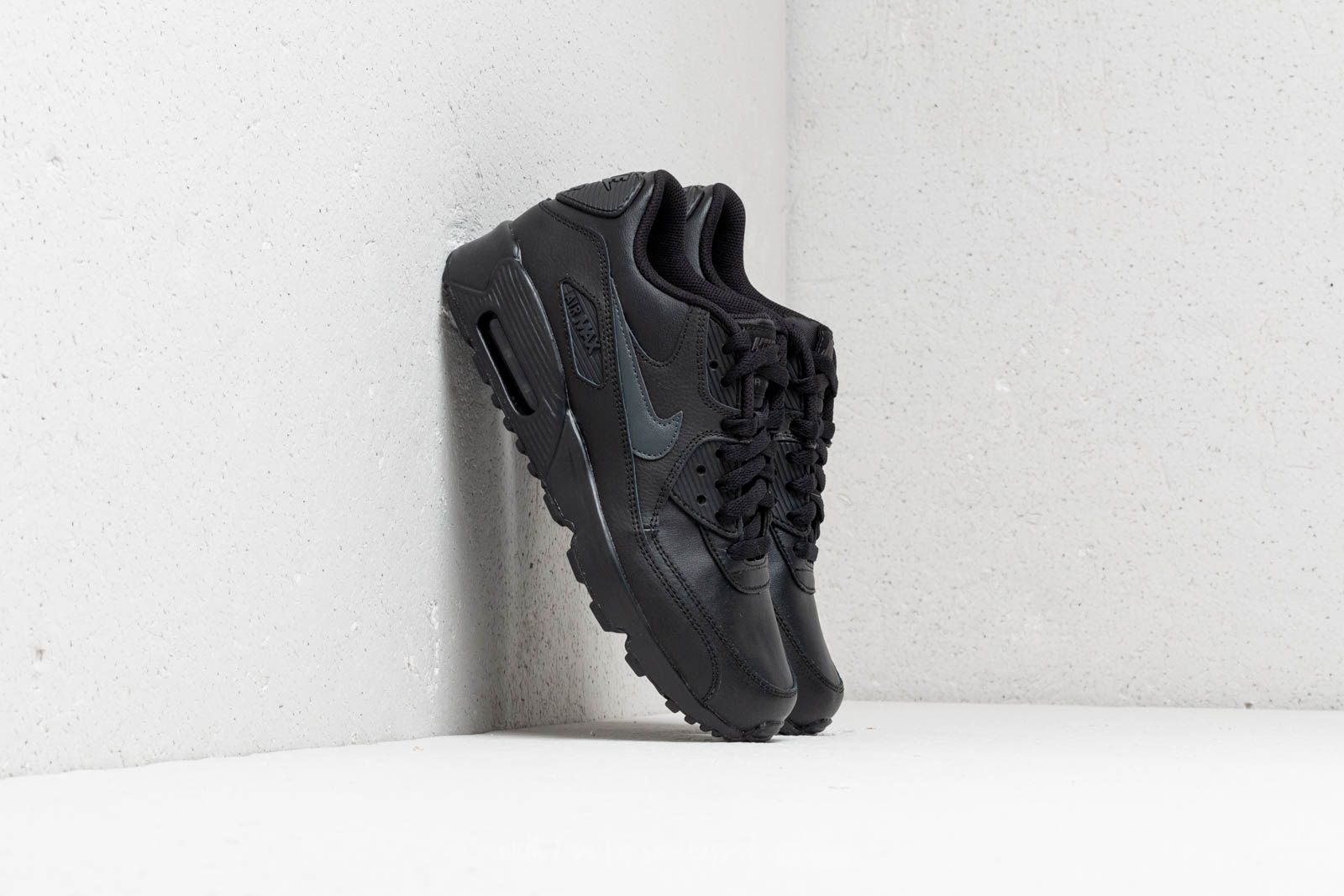 detailed look c0fef ac4ea Nike Air MAx 90 Leather (GS). Black  Anthracite-Black
