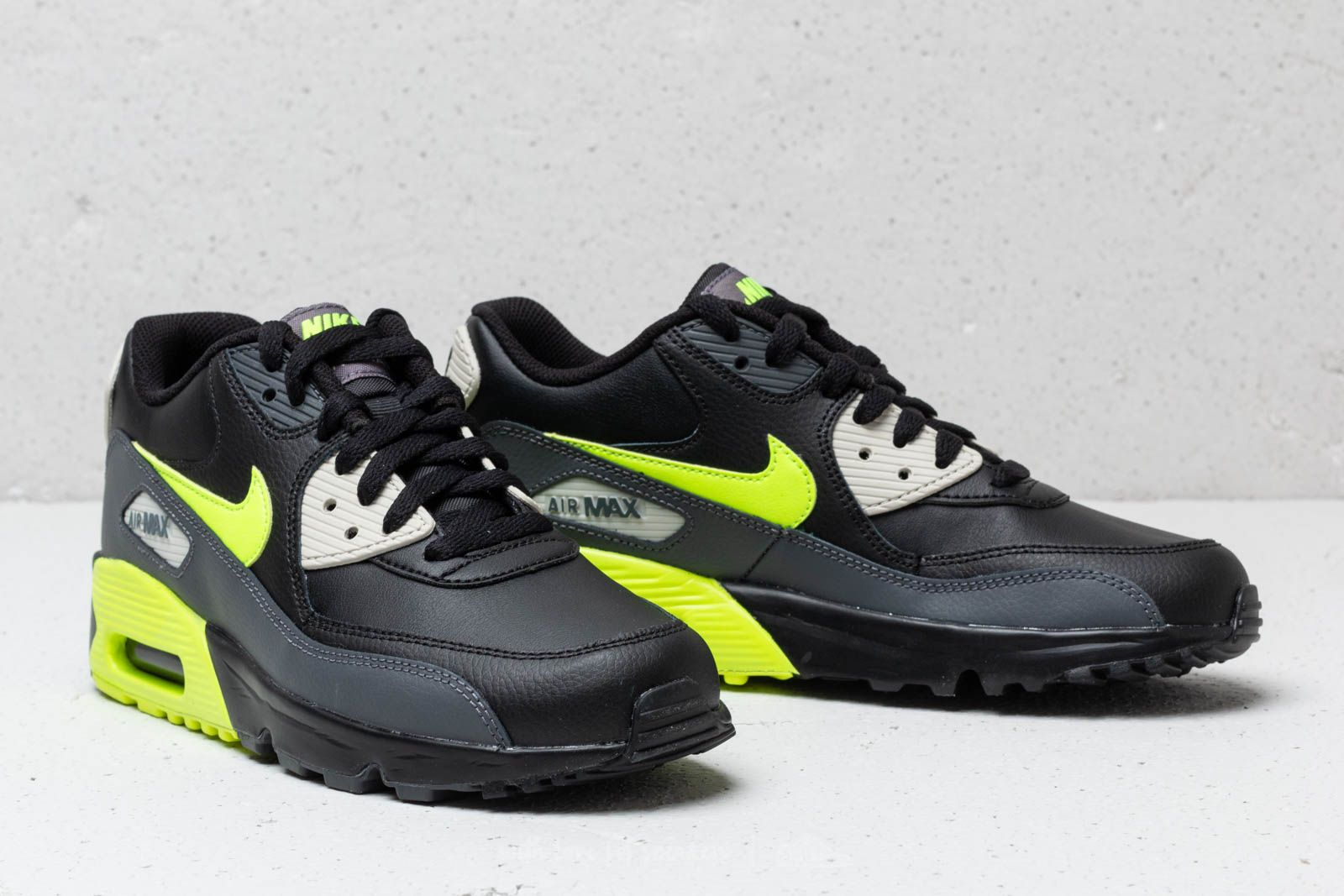 big sale 2ce2f 8a847 ... overall order nike air max 90 leather gs dark grey vold black at a  bccee e8c56 ...