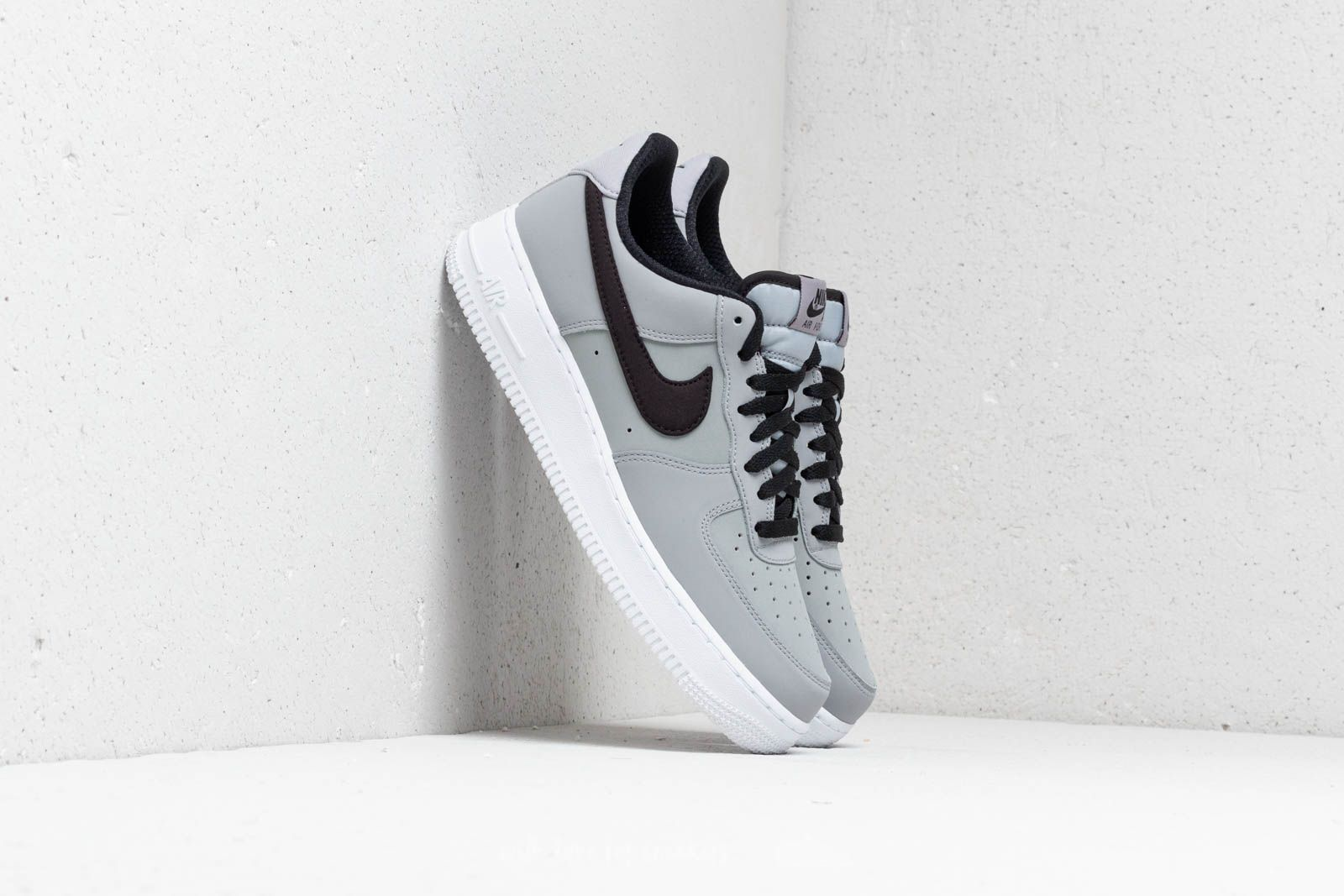 on sale bd414 582bd Nike Air Force 1 07 Leather
