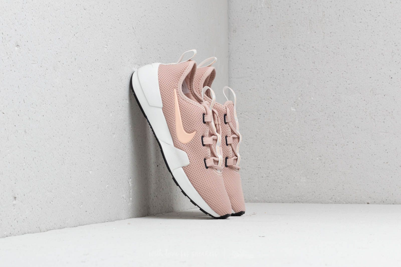 promo code e83d5 9a125 Nike Wmns Ashin Modern Particle Beige  Crimson Tint at a great price 81 €  buy