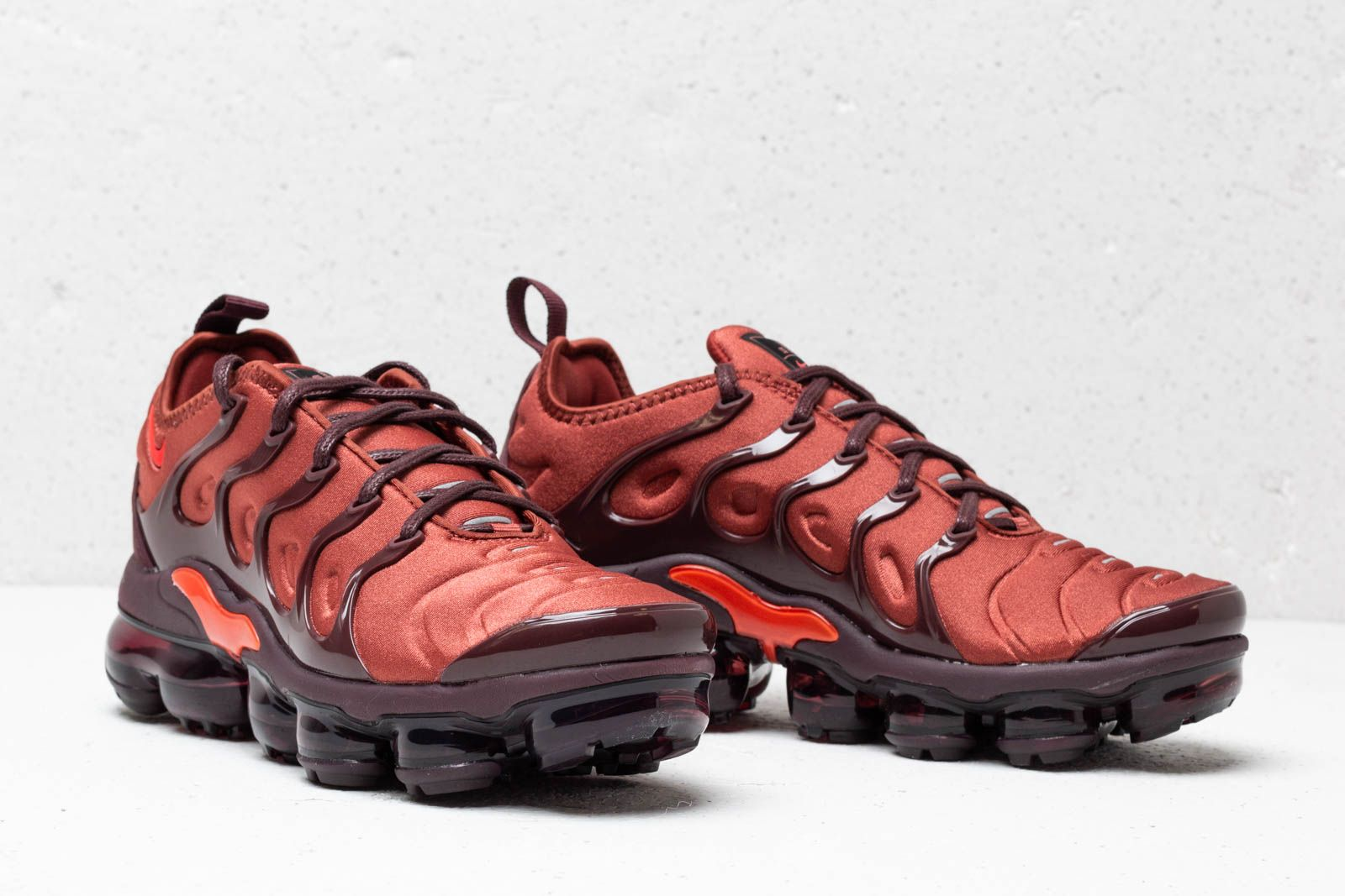 official photos bcde4 02f93 Nike Wmns Air Vapormax Plus Burnt Orange/ Habanero Red ...