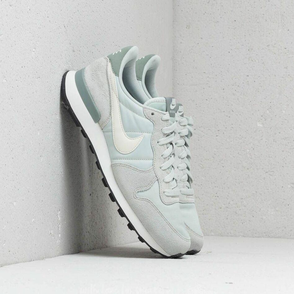 Nike WMNS Internationalist Light Silver/ Summit White EUR 38.5