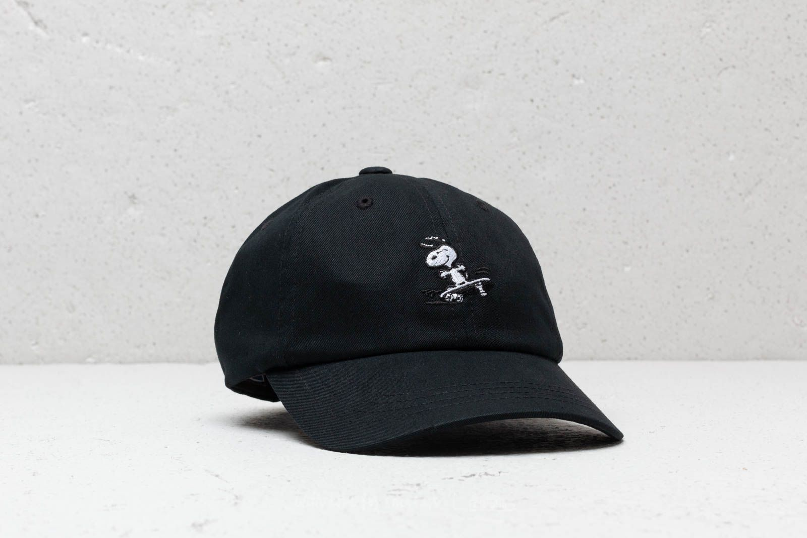 HUF x Peanuts Snoopy SK8 6 P Cap Black at a great price 39 € buy 973441ebae0e