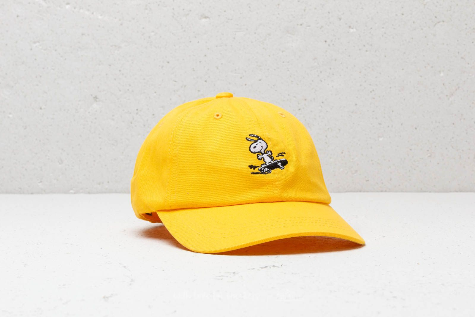 HUF x Peanuts Snoopy SK8 6 P Cap Yellow at a great price 28 € buy f01ead637305