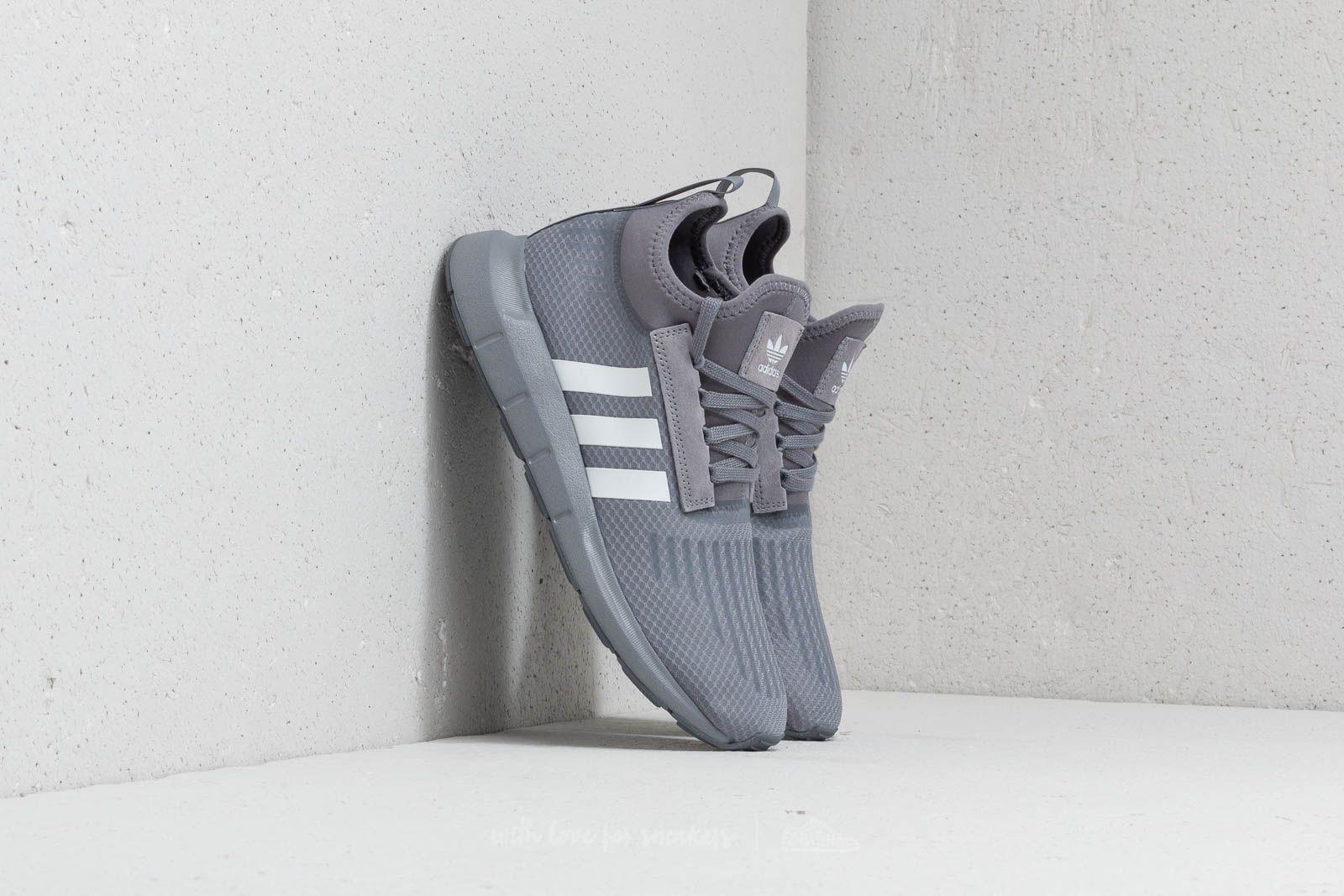 watch 0fa4f 8dc86 adidas Swift Run Barrier. Grey  Ftw White  Grey Five