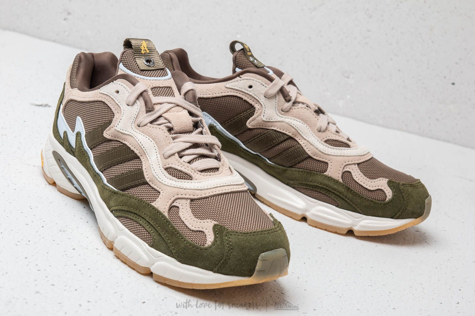 check out 24e07 68098 adidas Temper Run Saint Alfred Core White Clear Brown Clear Brown at a  great