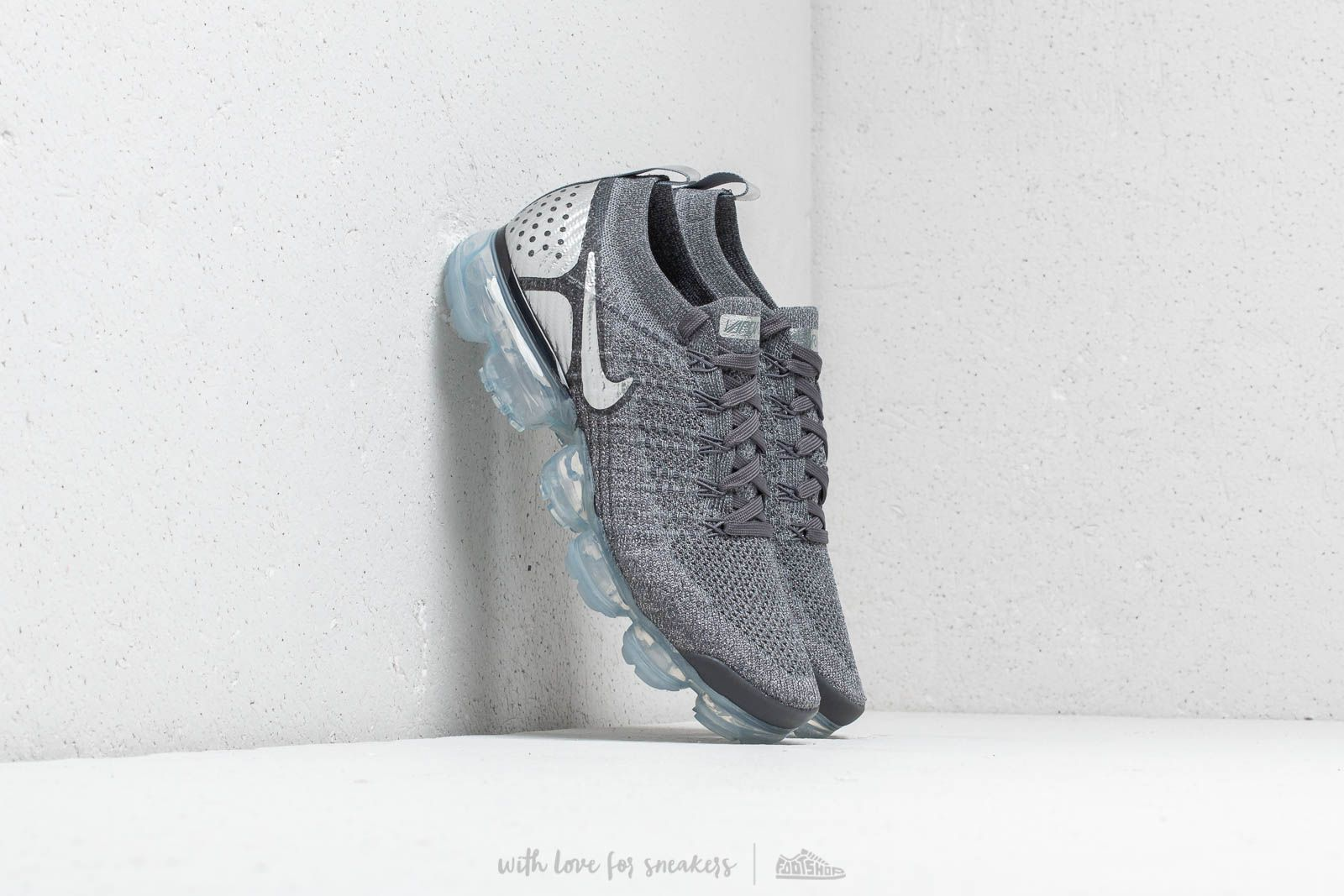 0575671583120 Nike Air Vapormax Flyknit 2 Dark Grey  Chrome-Dark Grey