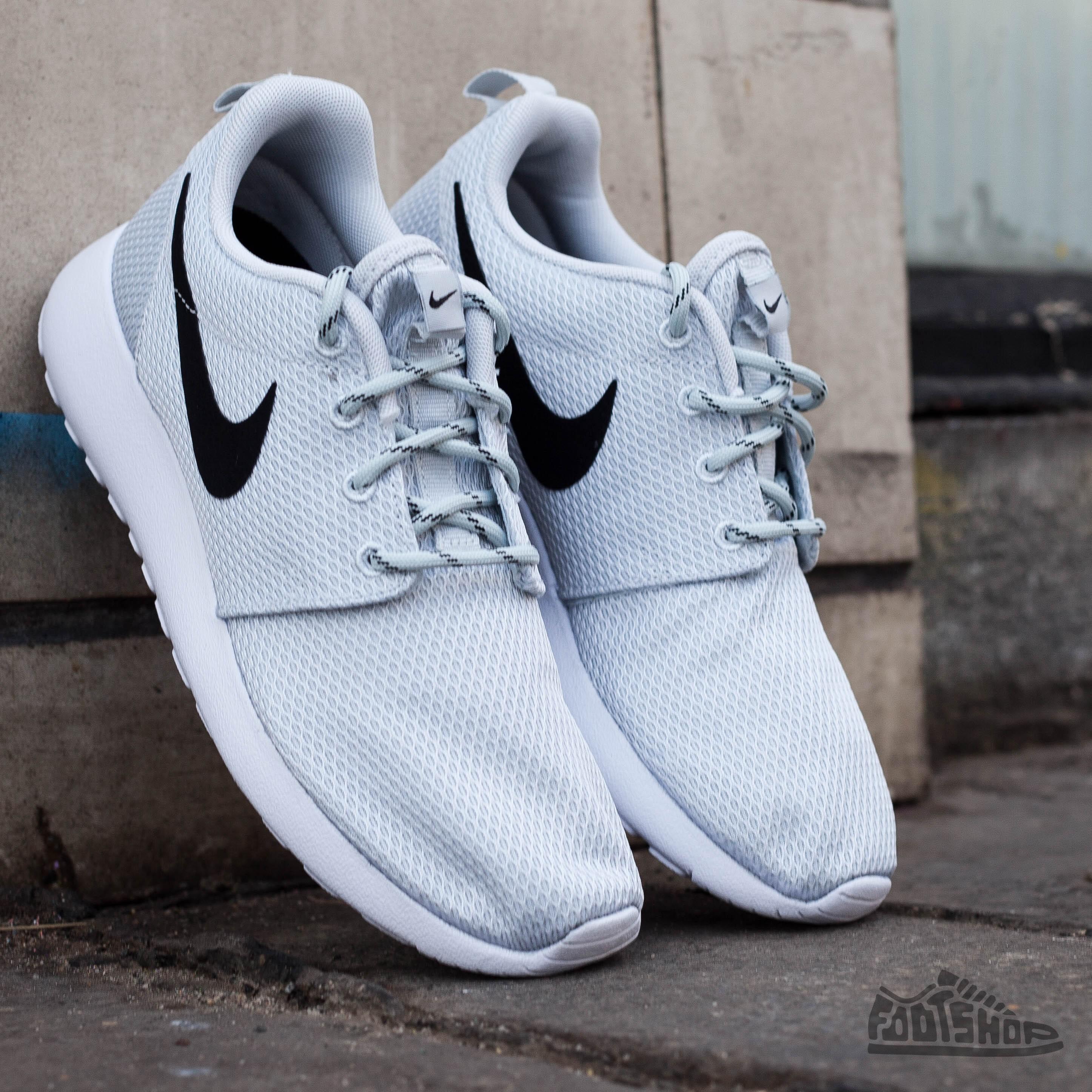 ea935dc8a7a2 Nike WMNS Rosherun Pure Platinum Black-White