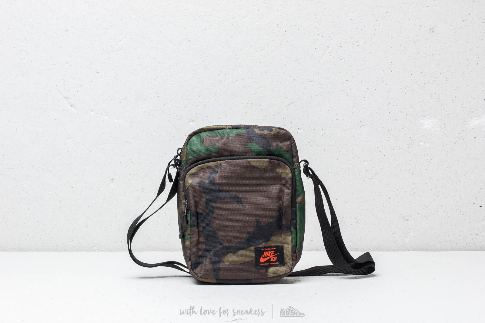 Nike SB Heritage Small Items Backpack Camo Green  caf18e317b705