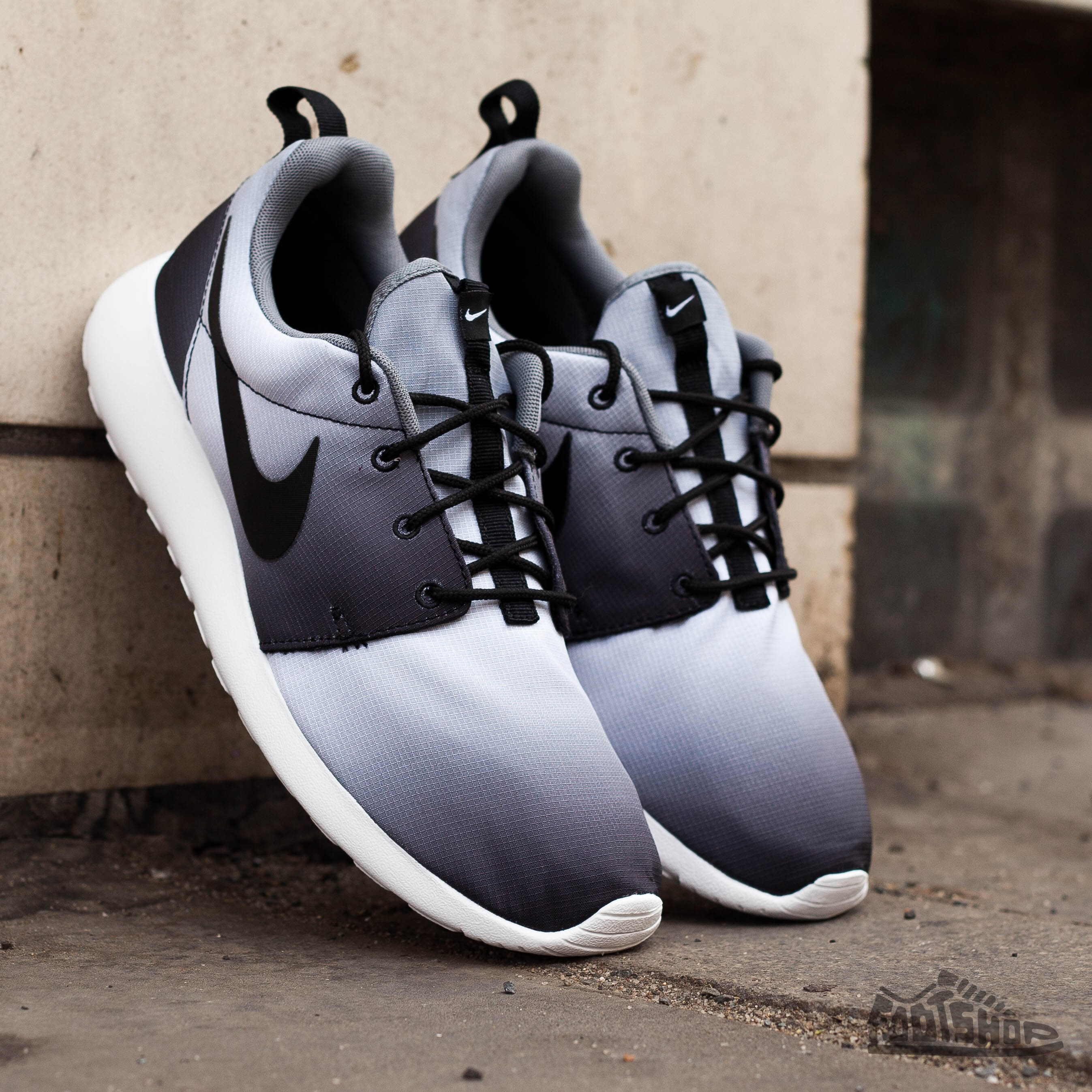 the latest af73c 52069 Nike Rosherun Print BlackBlack-White-Cool Grey