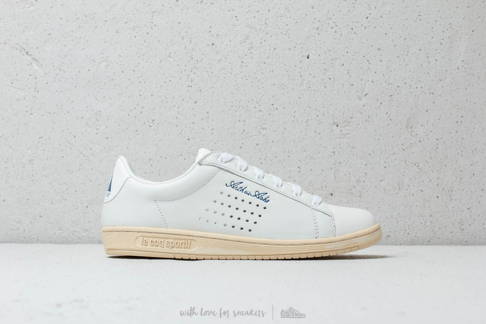 ae0a9dbbba9c Le Coq Sportif Arthur Ashe OG Optical White at a great price 92 € buy at