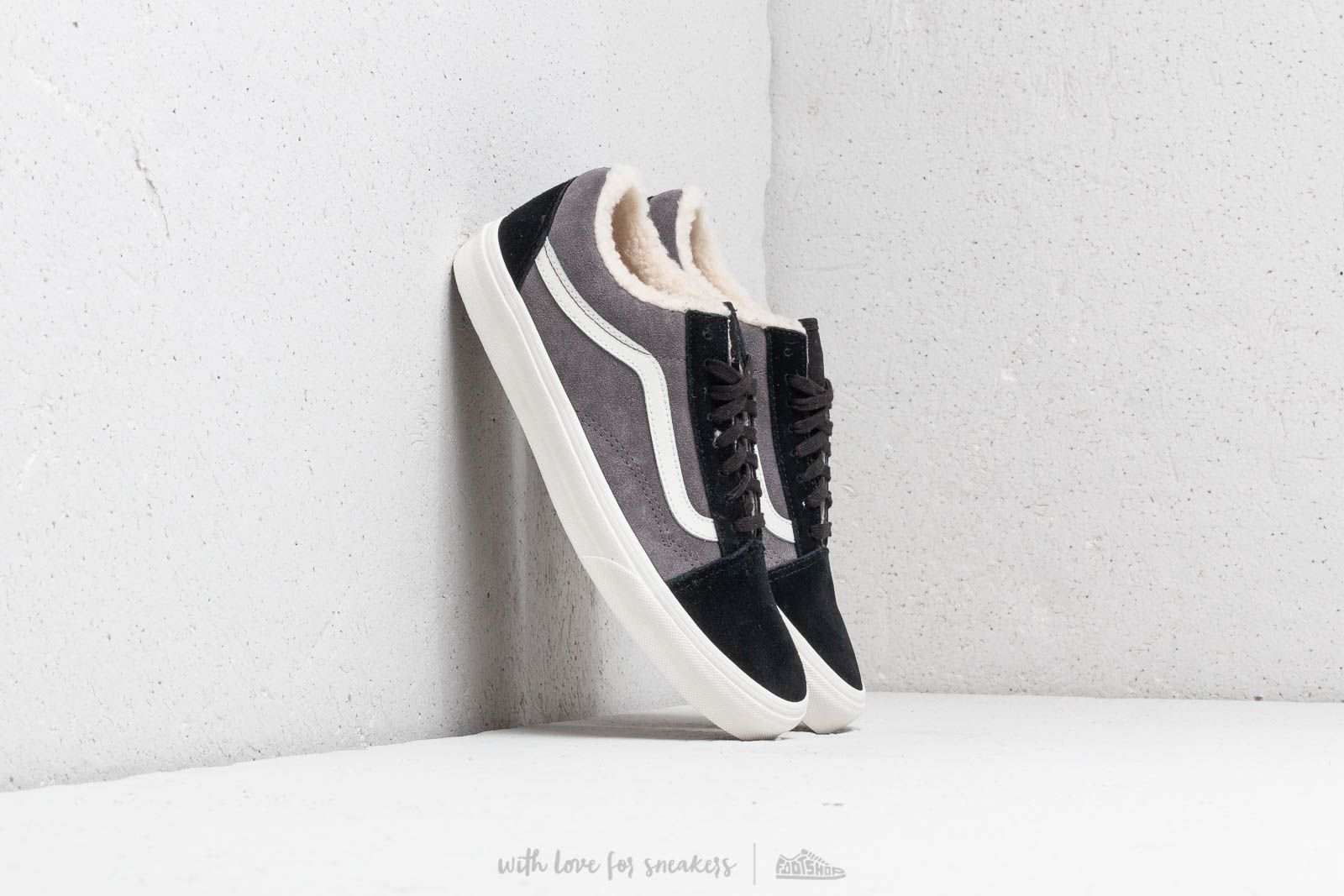9e34a11f3c5a Vans Old Skool (Suede  Sherpa) Black  Pewter