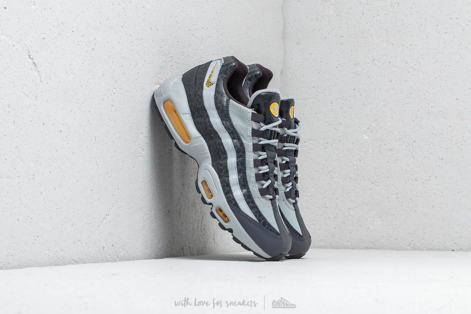 énorme réduction 91161 dd59c Nike Air Max 95 SE Reflective Off Noir/ Amarillo-Wolf Grey ...