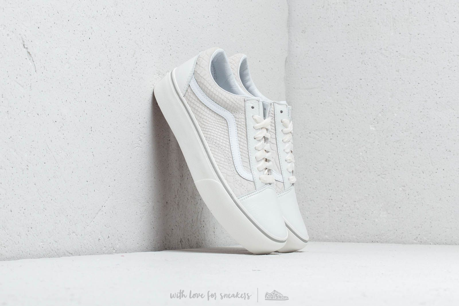 e6644eee1b00a2 Vans Old Skool Platform (Leather) Snake  White at a great price 100 €