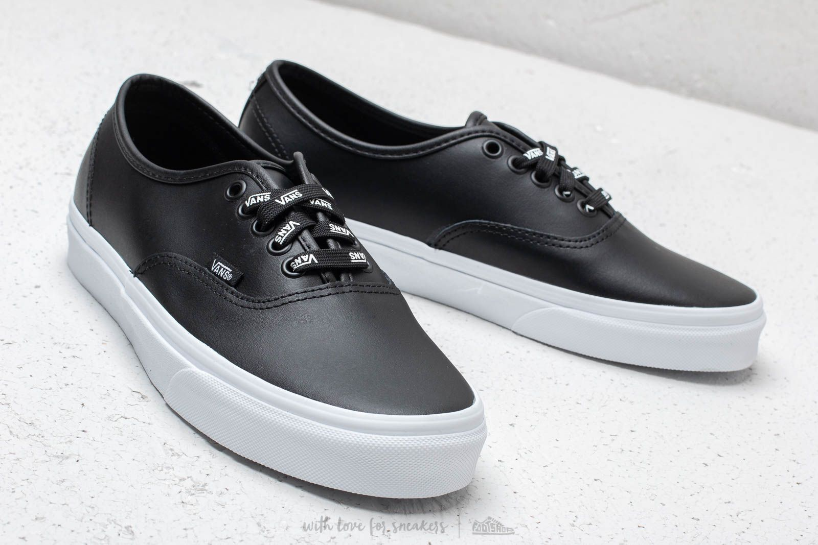 Vans Authentic (Otw Webbing) Black  Leath at a great price 81 € buy a45478e98ebf