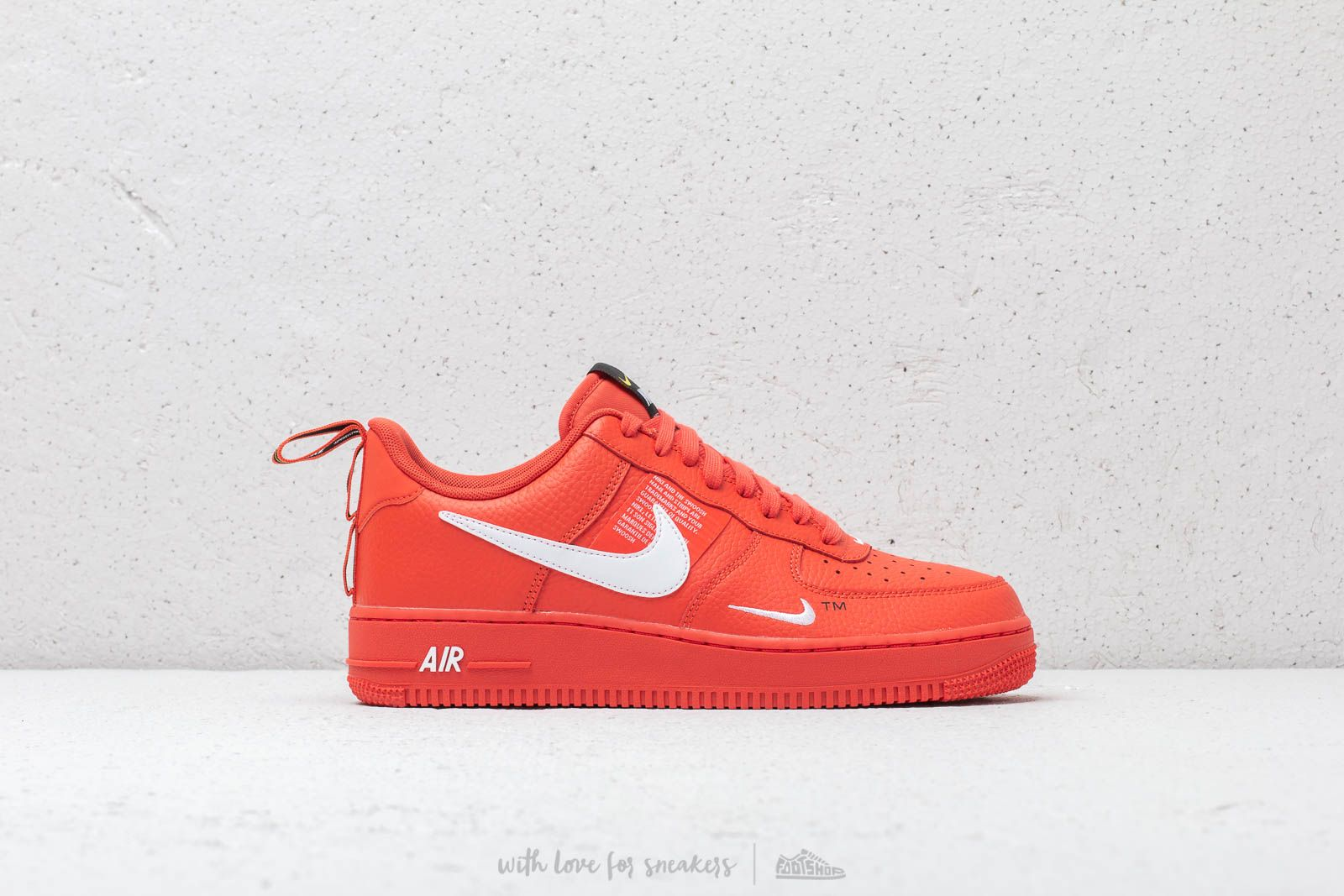Nike Air Force 1 '07 LV 8 Utility Team Orange White Black