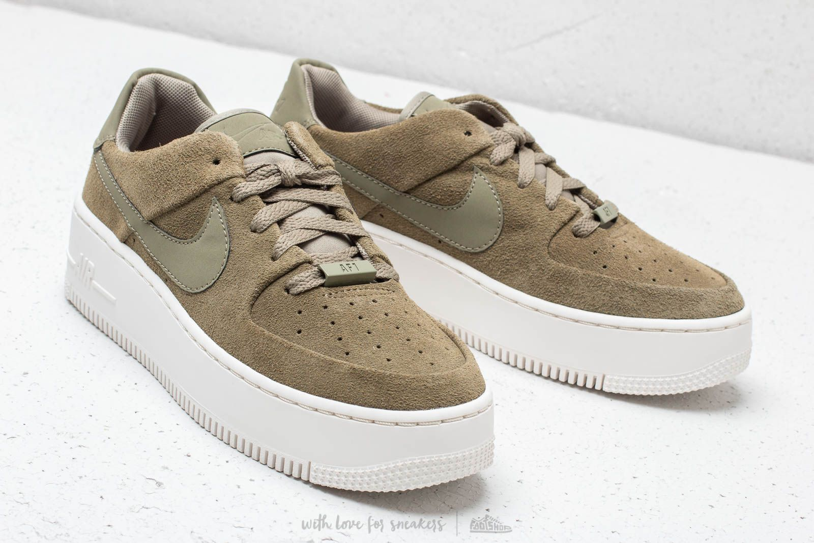Nike W Air Force 1 Sage Low Trooper Trooper Phantom | Footshop