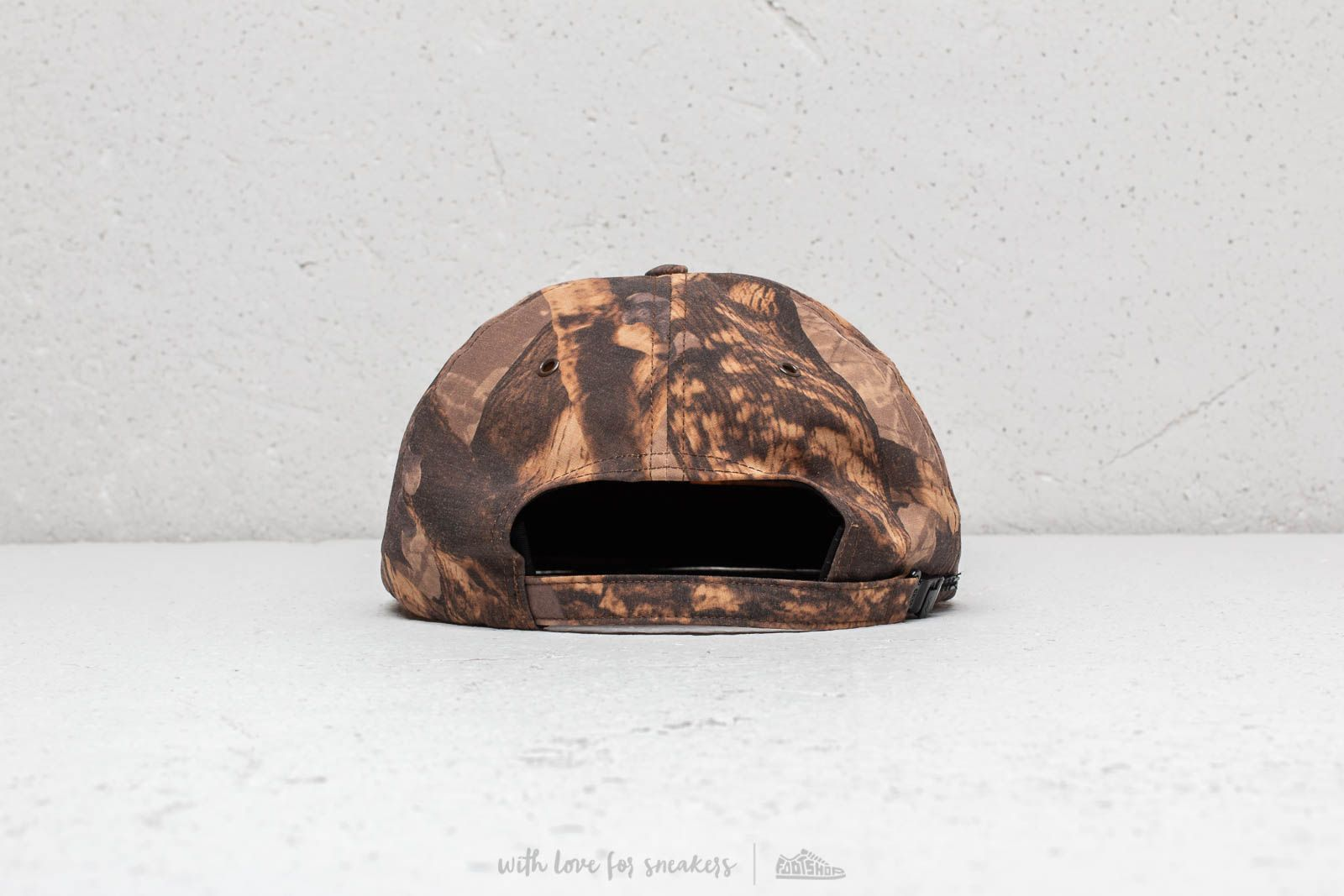 ffb50f0464c Raised By Wolves Commander 6 Panel Cap Forest at a great price £54 buy at