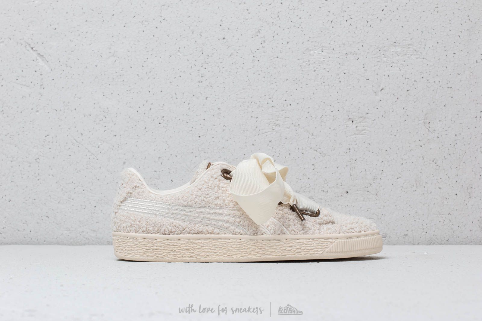 f5c61233fd962 Puma Basket Heart Teddy Wmn s White-Whisper at a great price 99 € buy at