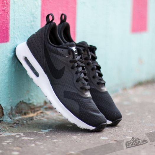 nike air max tavas essential black