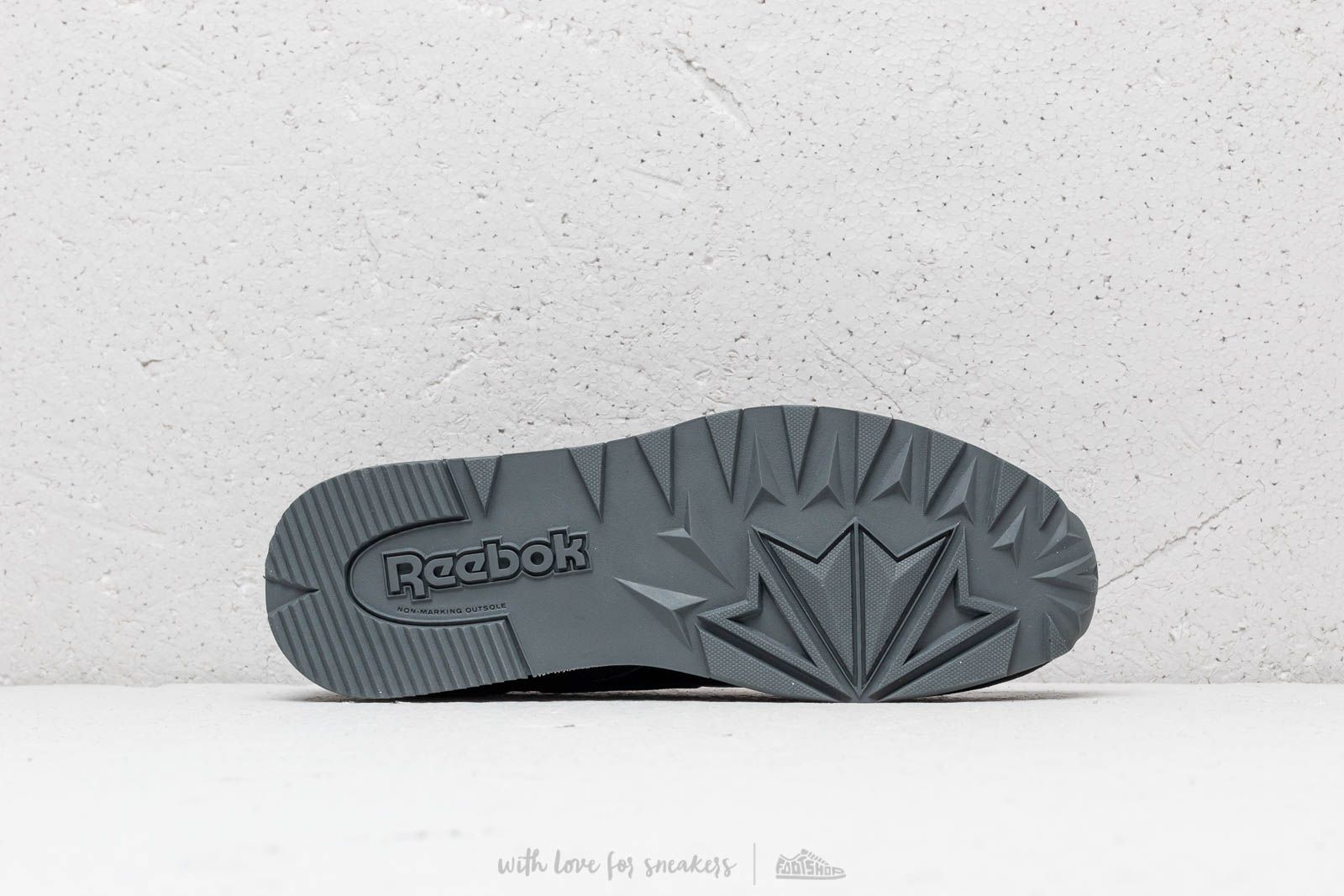 181149f1 Reebok Classic Leather MU Black/ Alloy/ Carotene | Footshop