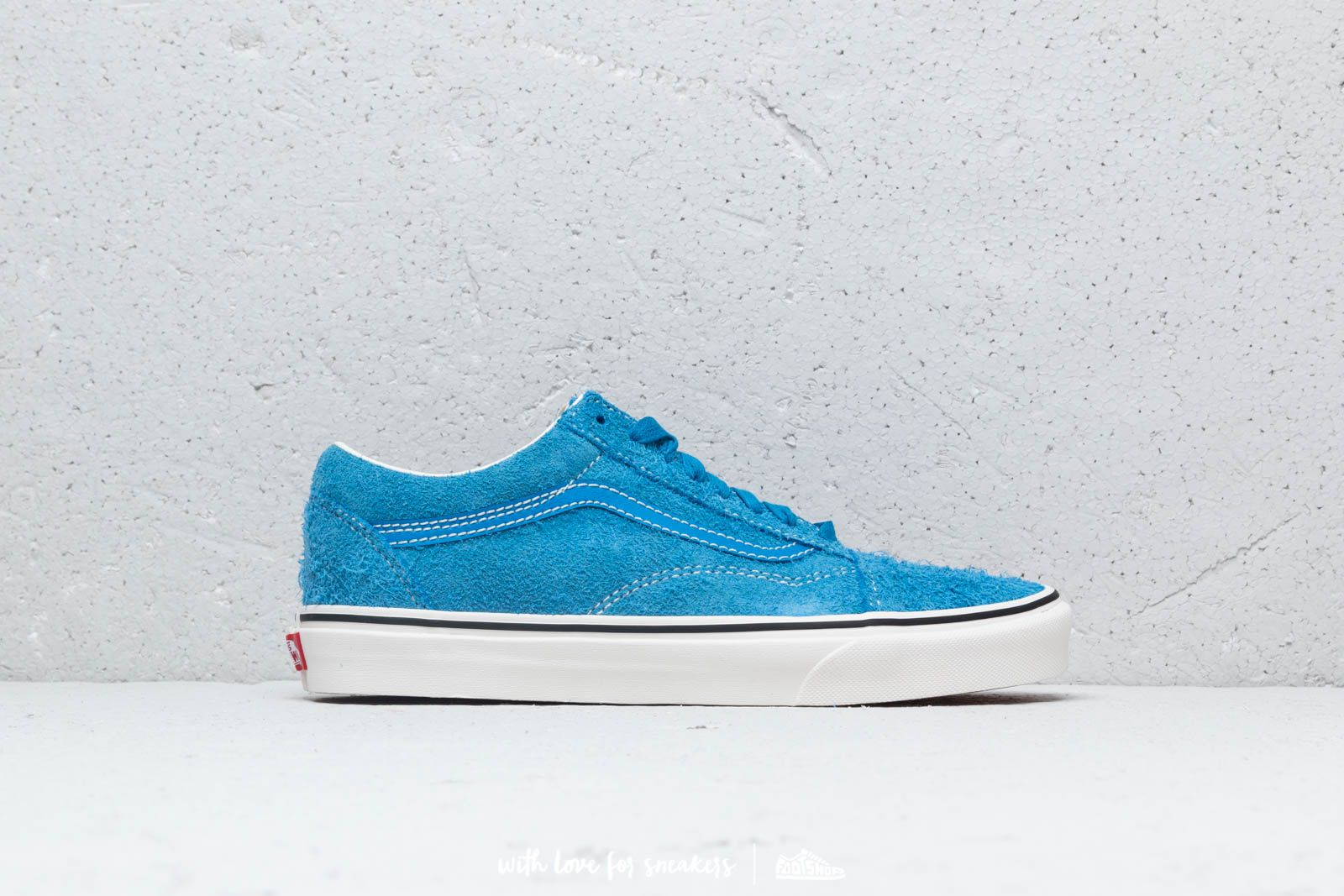 c96a7948e396 Vans Old Skool (Hairy Suede) Indigo Bunting  Snow White at a great price