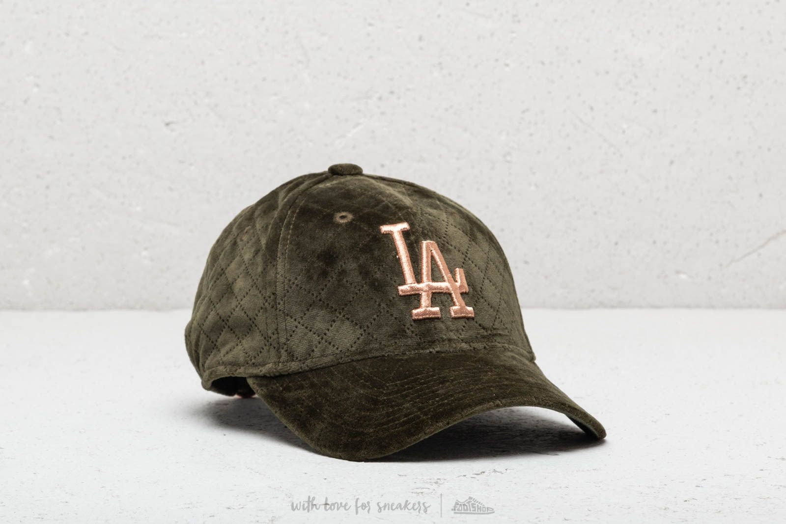 4e97cd00a0d3f2 New Era 940W MLB Winter Pack Wmn LOSDOD Green at a great price $24 buy at