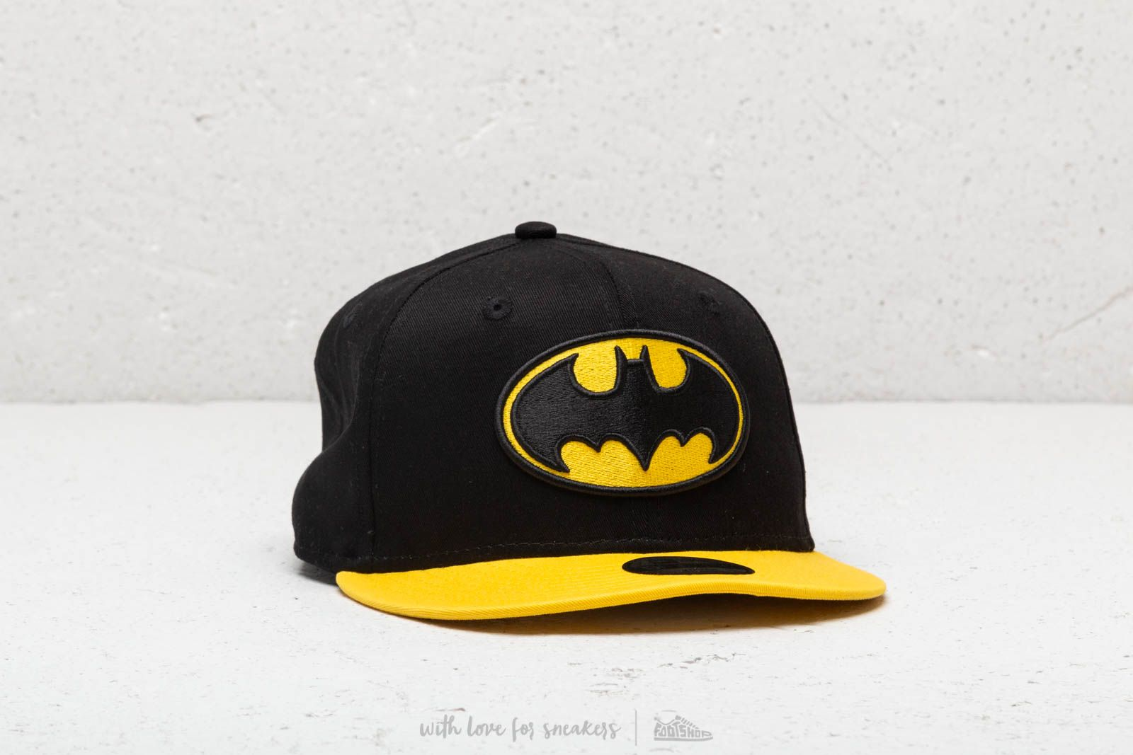 ca5c035b98e New Era Kids Essential Batman Snapback Black  Yellow at a great price  30  buy at