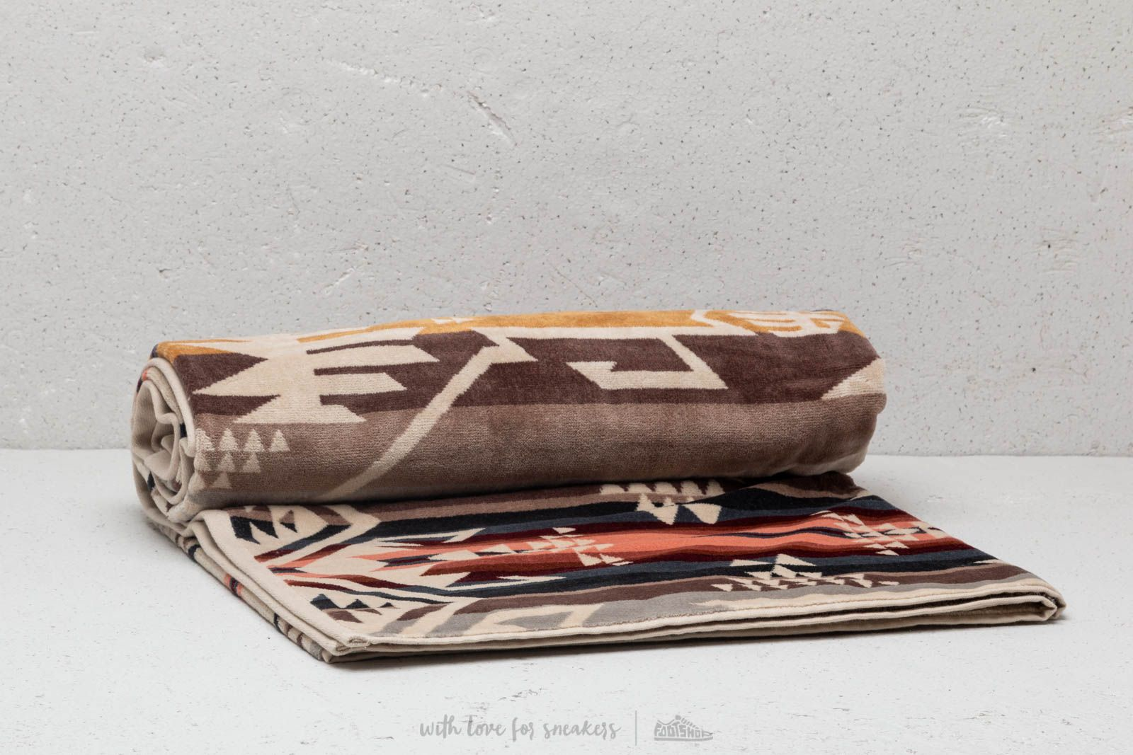 Pendleton White Sands Spa Towel