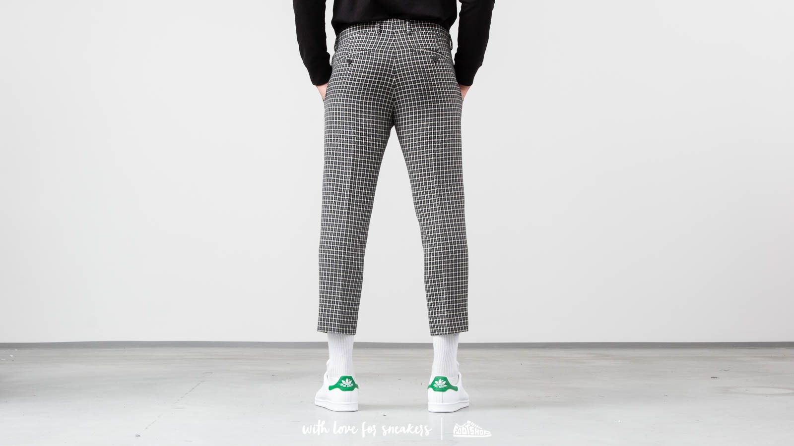 e5bd34e3f0c52e alexandre mattiussi Cropped Trousers Grey  Black at a great price 333 € buy  at Footshop