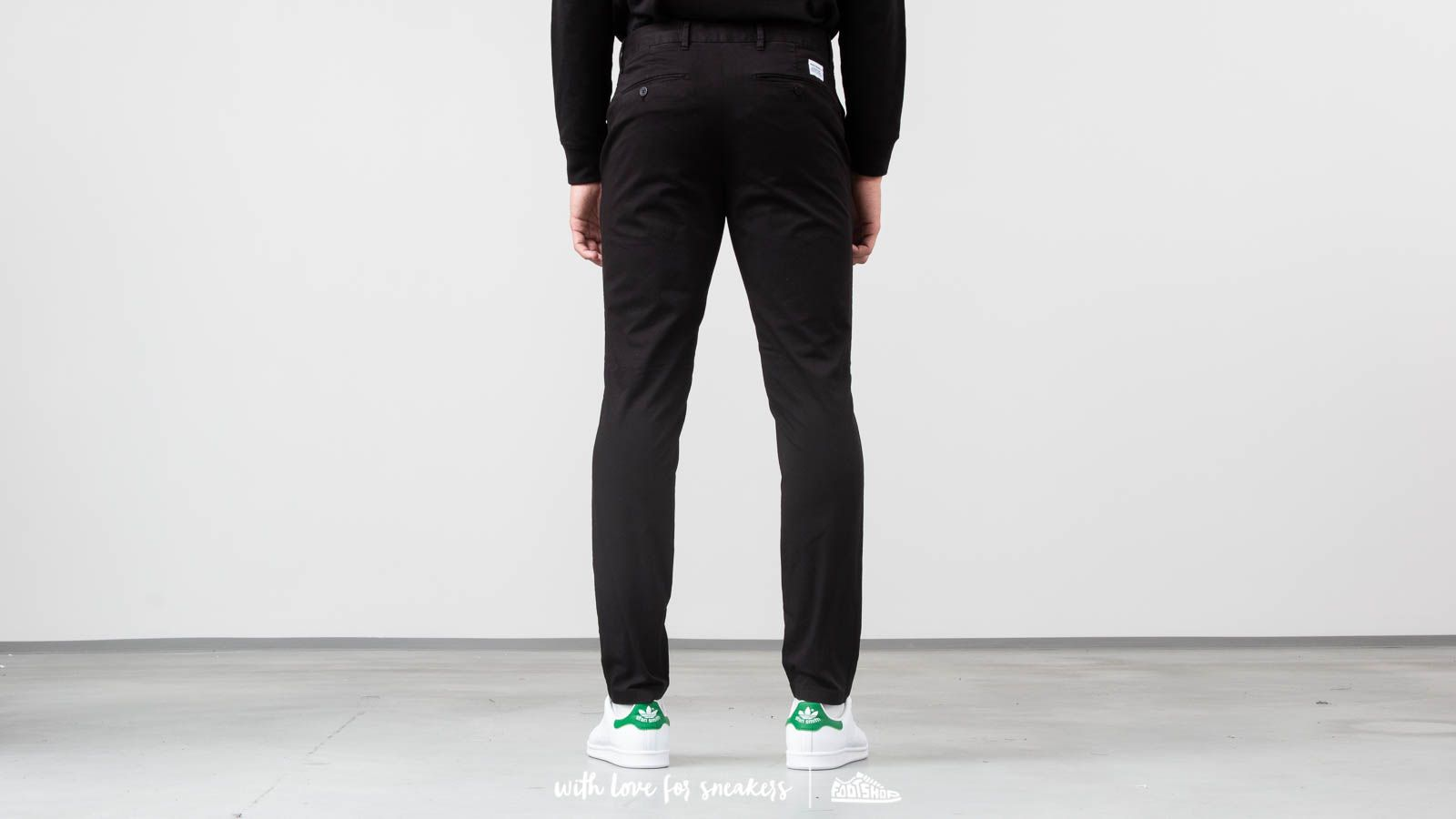 c8df643c96 Norse Projects Aros Slim Light Stretch Pants Black at a great price 136 €  buy at