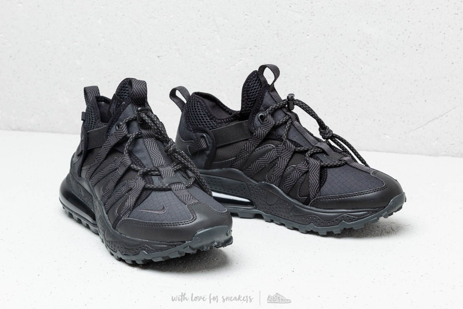 8ff09c9481f Nike Air Max 270 Bowfin Black  Anthracite-Black at a great price 165 €