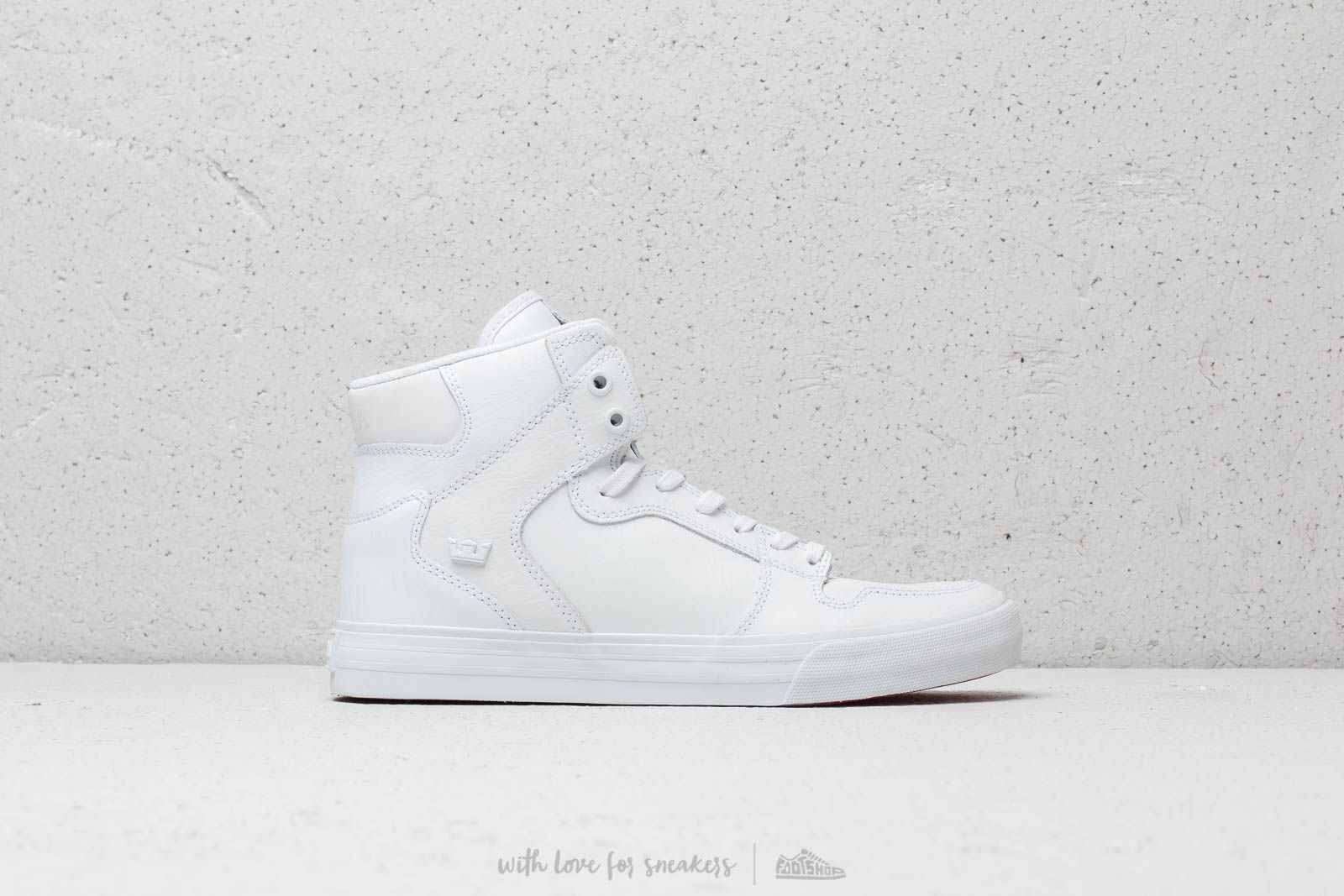 9265eacf49b3 Supra Vaider White  Red-White at a great price 74 € buy at Footshop