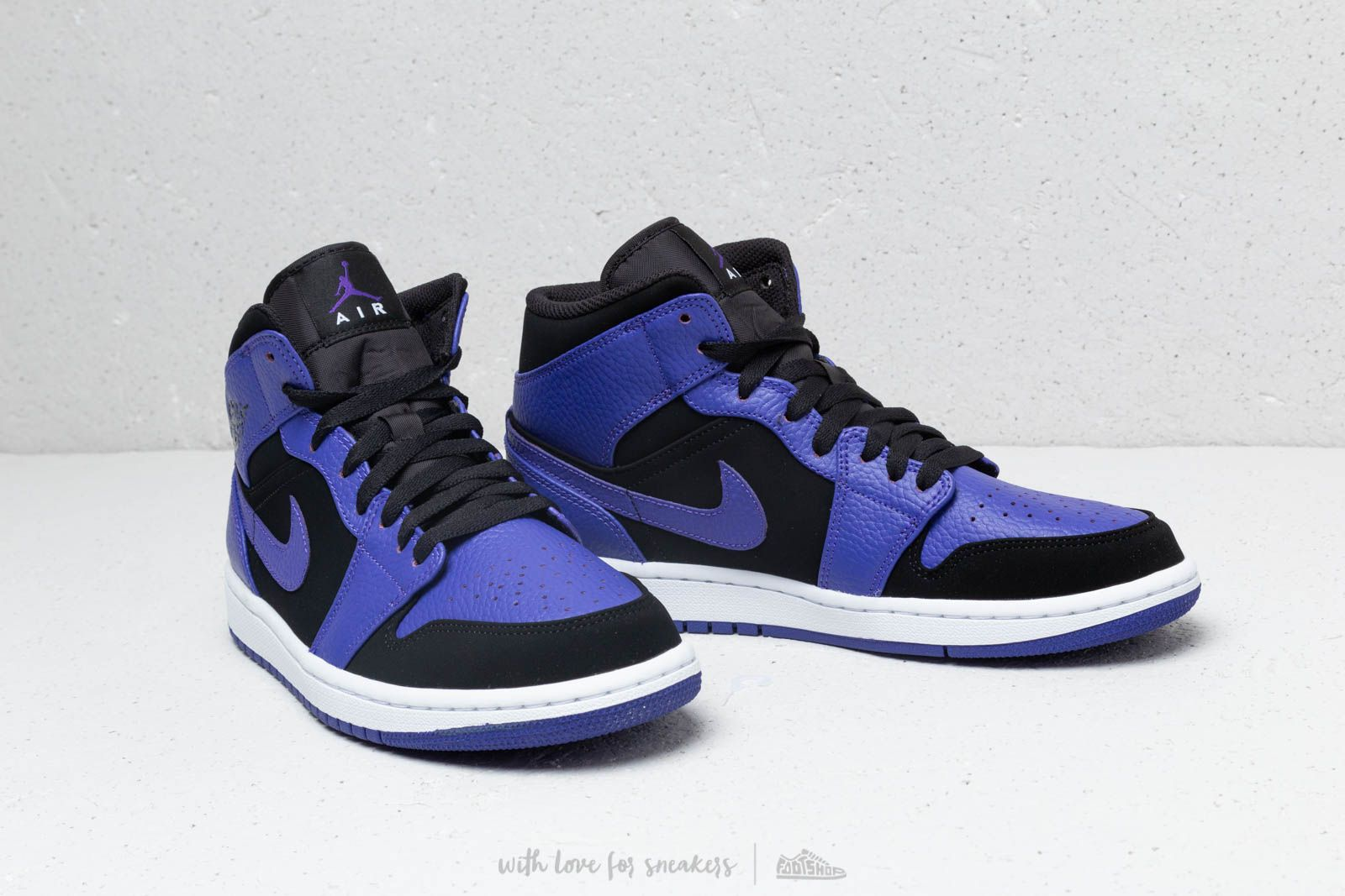 check out fe4b9 88758 ... czech air jordan 1 mid black dark concord white at a great price 128  558a6 e170e