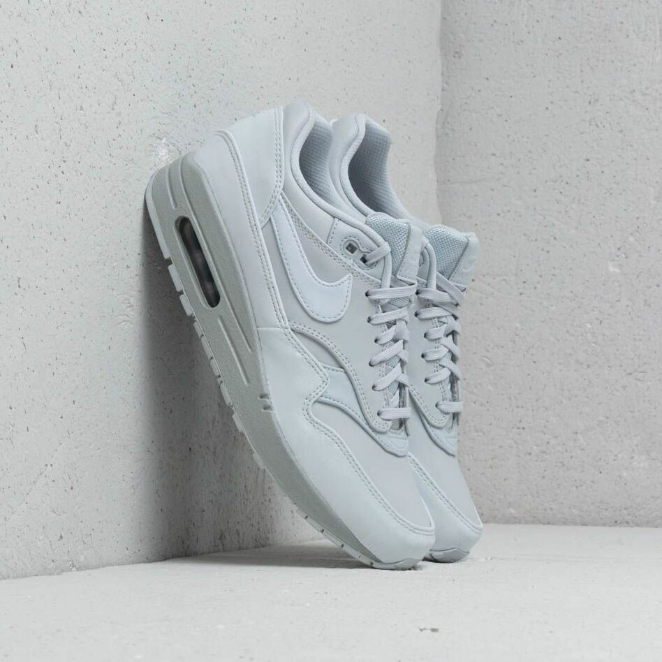 Nike Wmns Air Max 1 LX Pure Platinum/ Pure Platinum, Gray