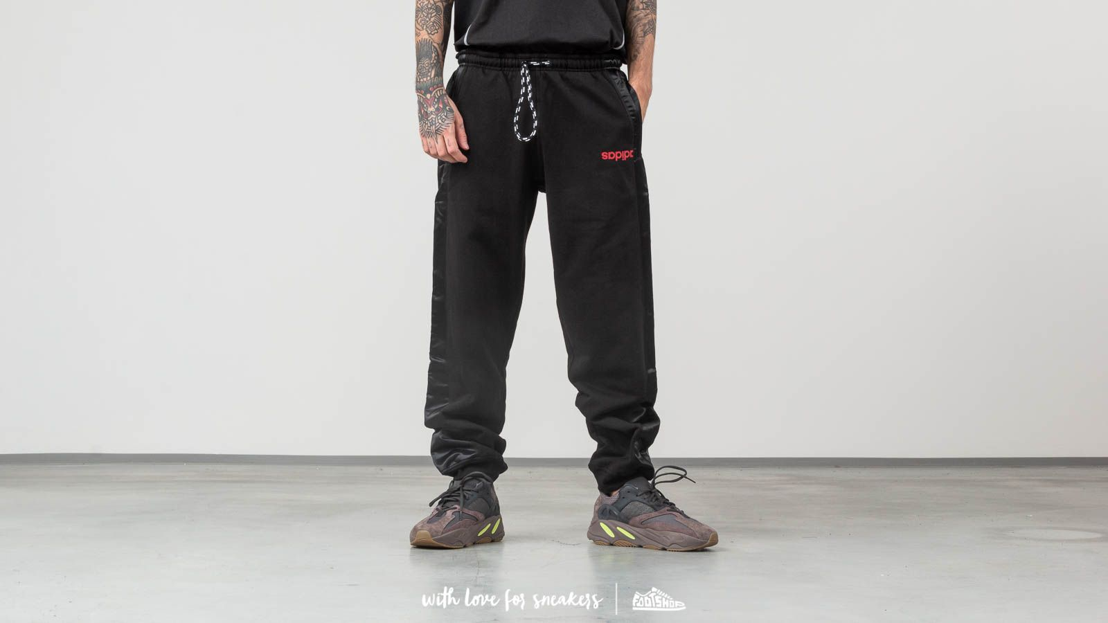 adidas x Alexander Wang Joggers Pants Black za skvělou cenu 5 390 Kč koupíte na Footshop.cz
