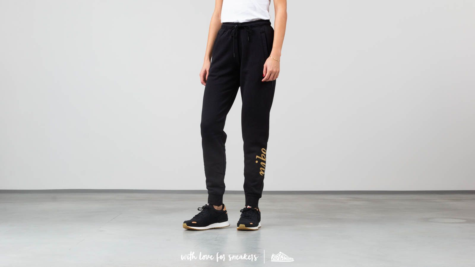 Nike Sportswear Rally Women's Metallic Pants
