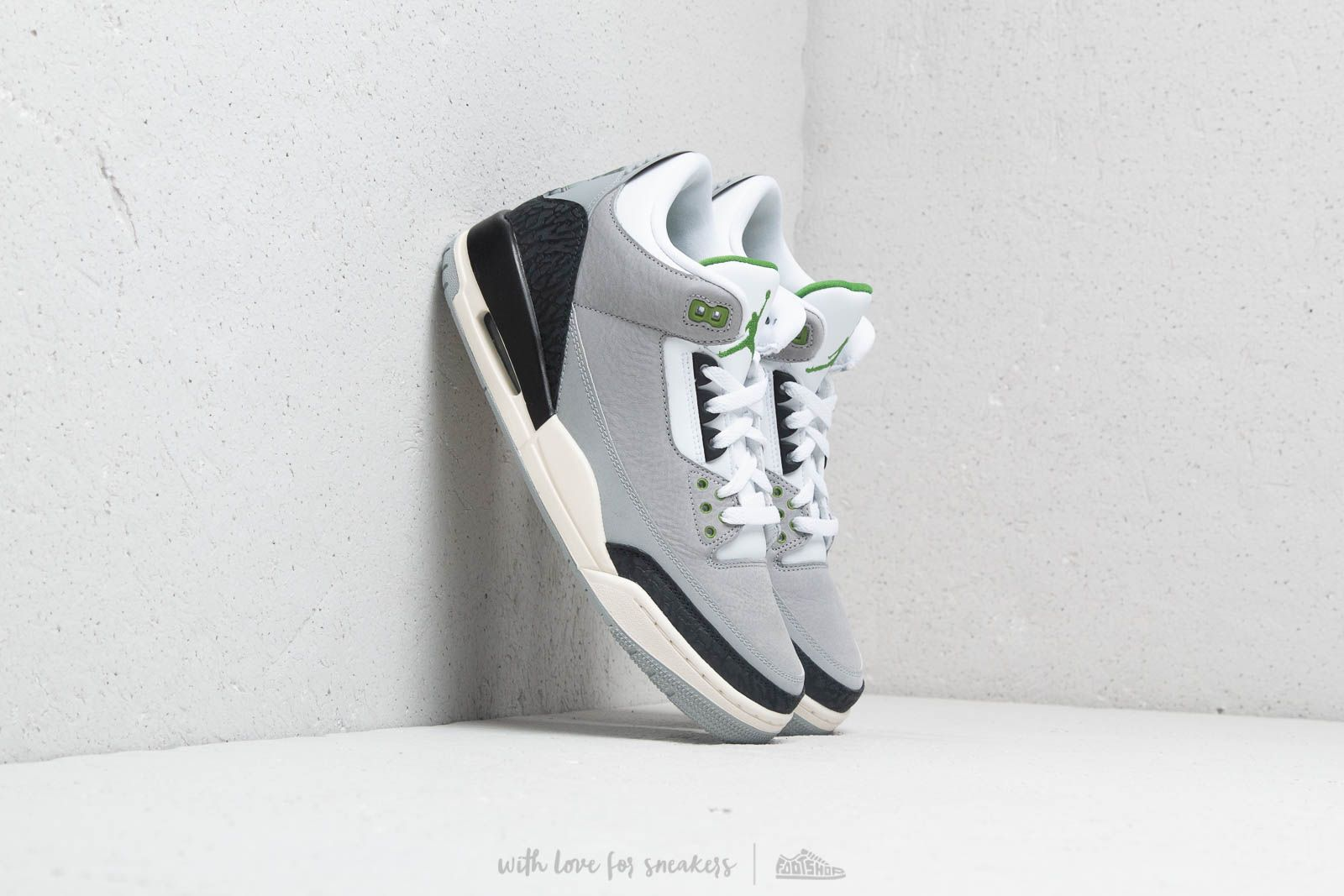 Air Jordan 3 Retro Lt Smoke Grey/ Chlorophyll at a great price $224 buy at Footshop